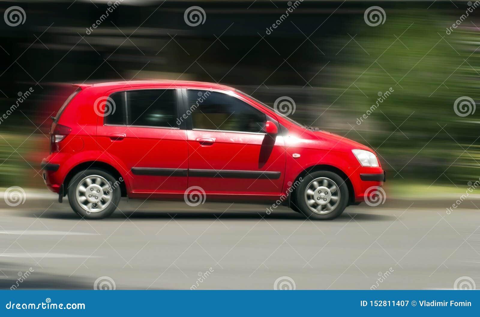 Automobile rossa di Hyundai