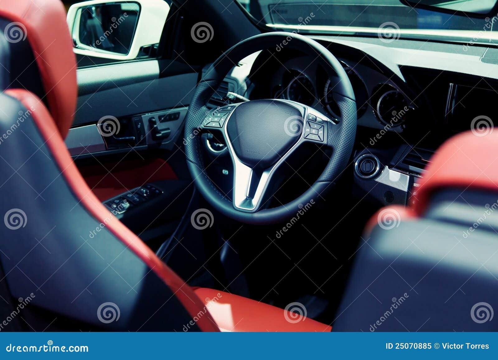 Automobile sportiva di Cabrio