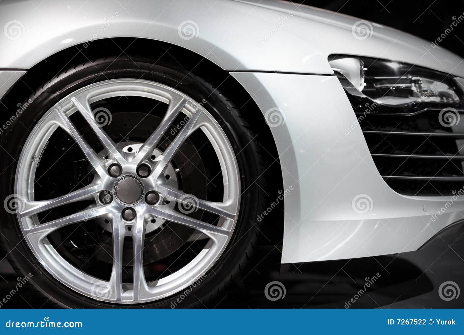 Automobile sportiva di lusso