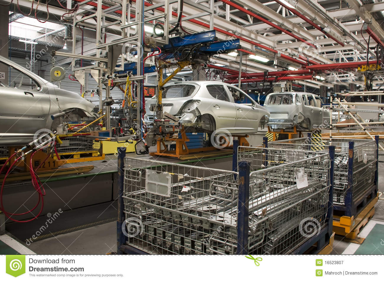 automotive-industry-manufacture-16523807.jpg