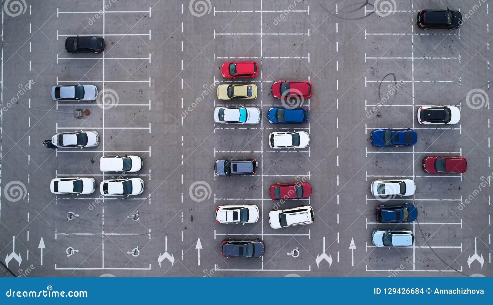 Autoparkeerterrein hierboven wordt bekeken van, Luchtmening die Hoogste mening