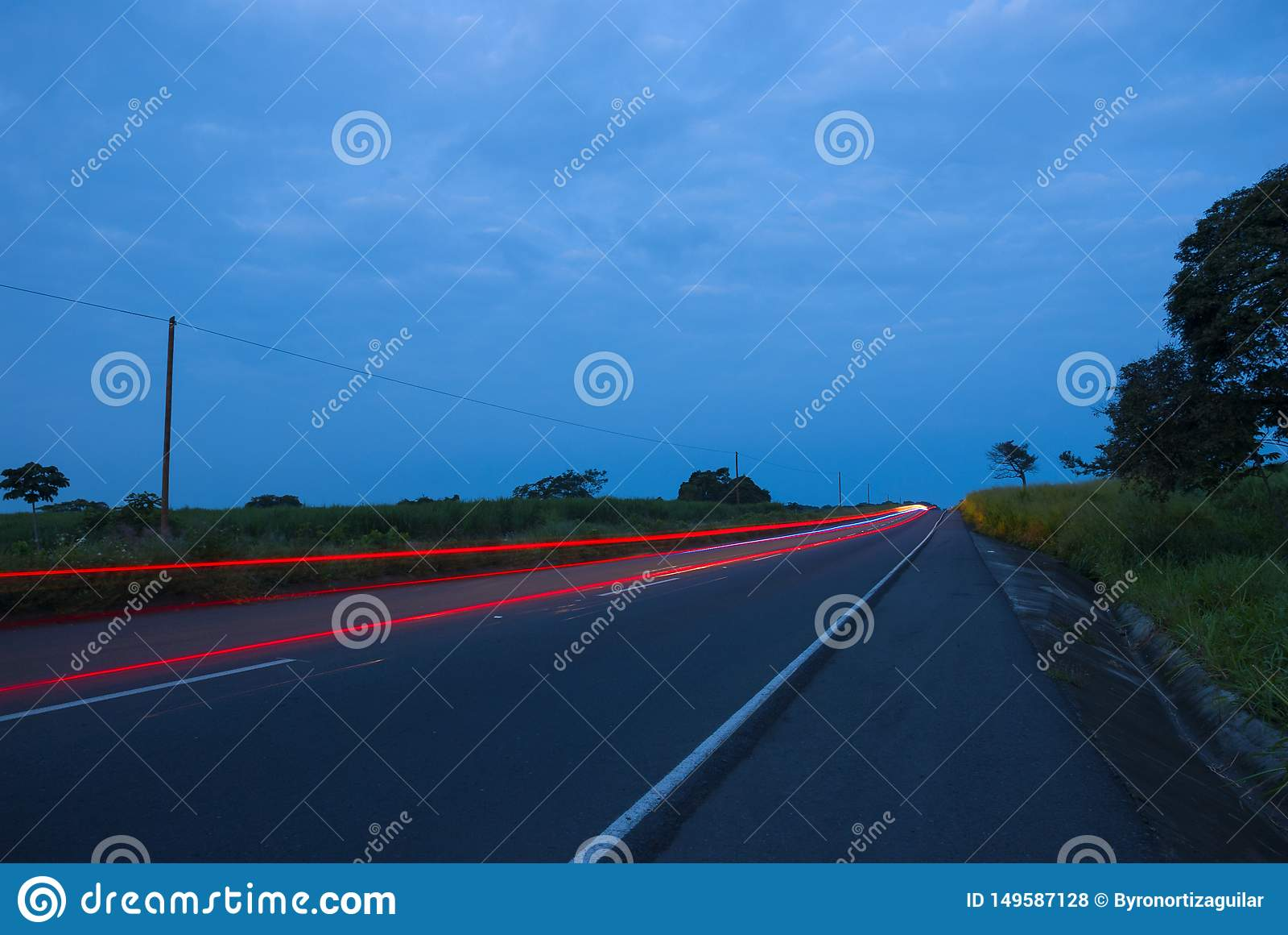Autos speedingon eine Landstra?e, Guatemala, Zentralamerika, Geschwindigkeitsauto