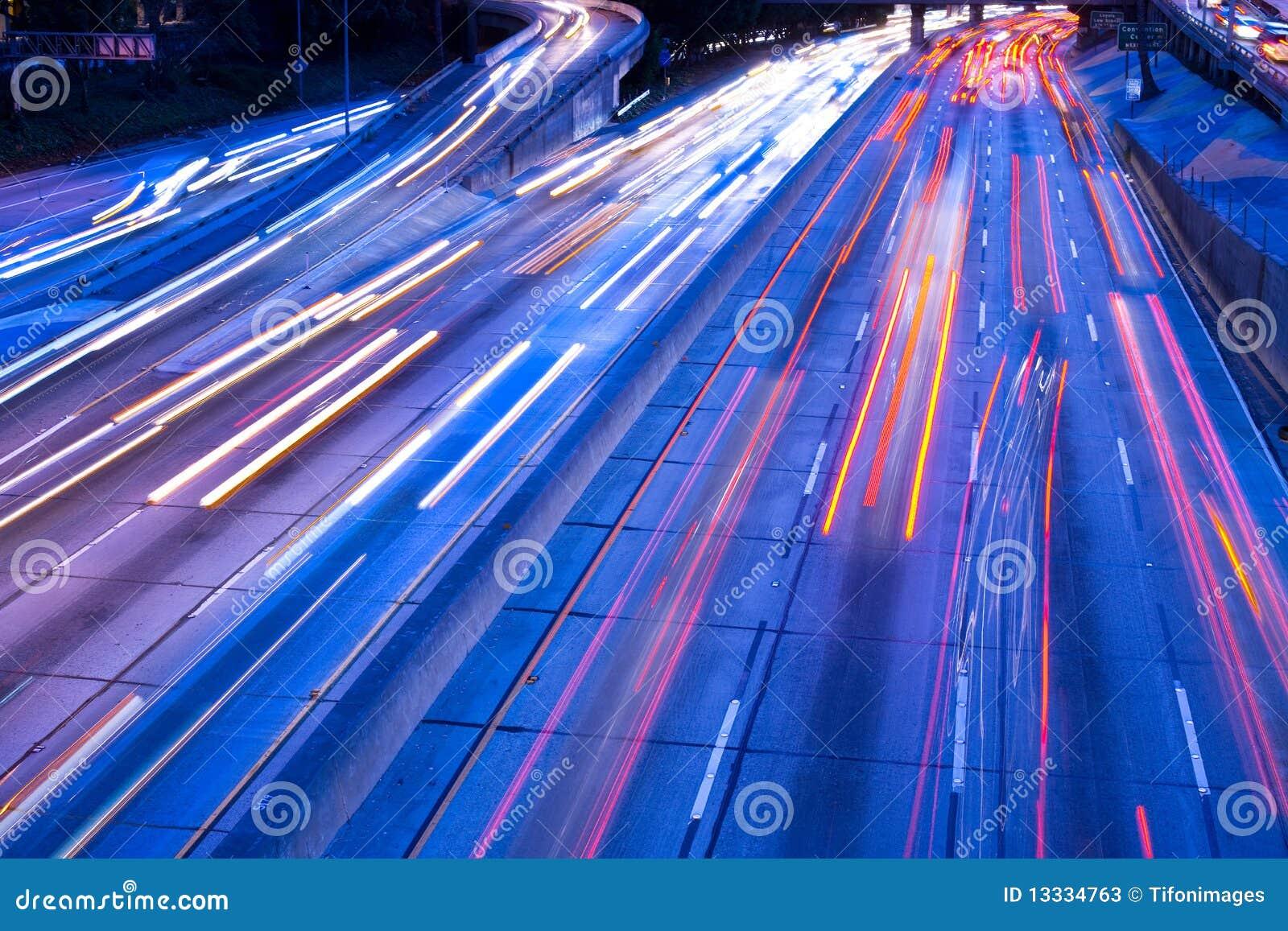 Autostrady schronienia ruch drogowy
