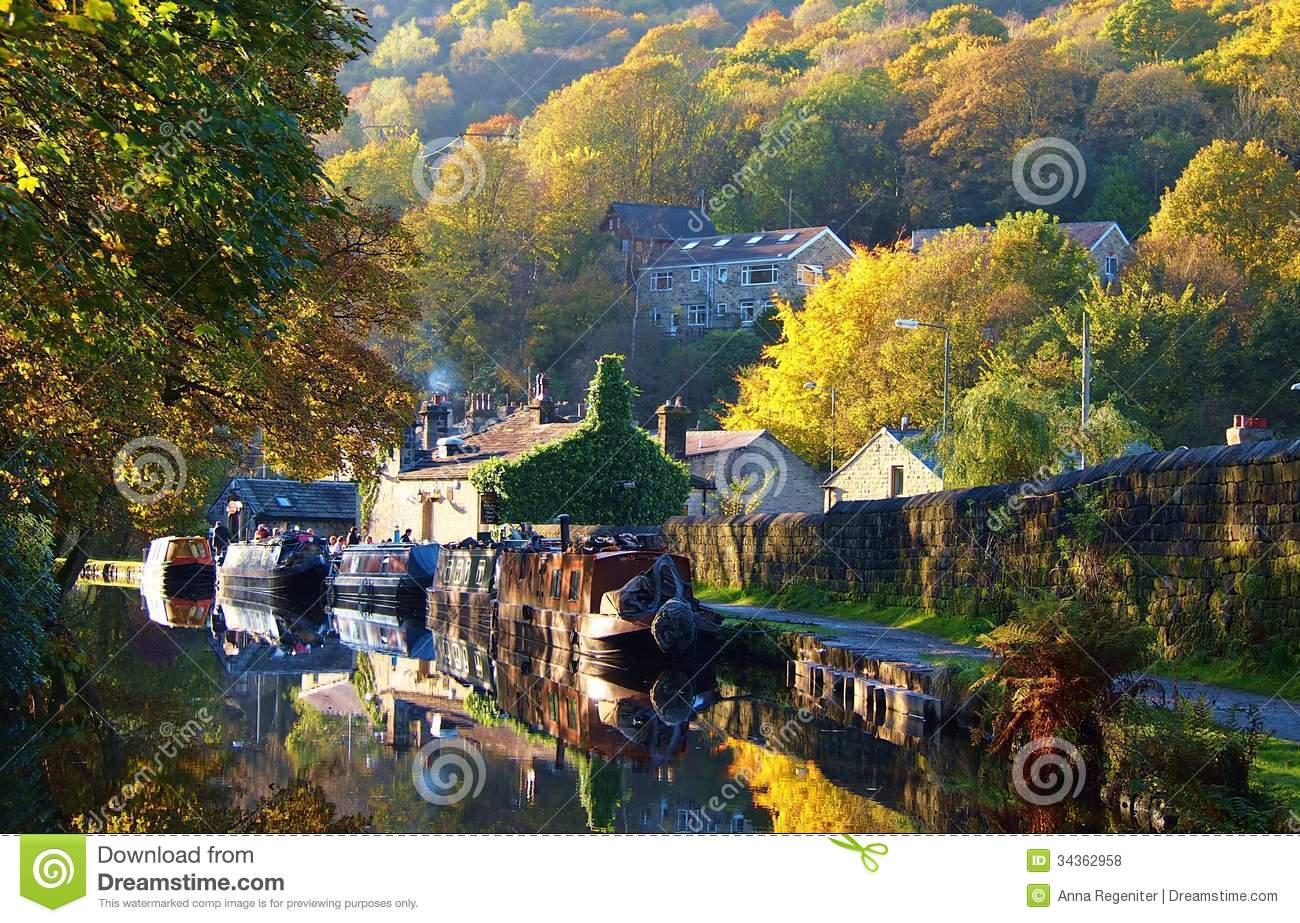 Canal With Boats, England Royalty Free Stock Photos - Image: 34362958