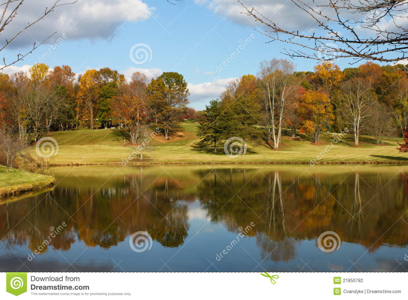 Autumn Scenery By Meadowlark Botanical Gardens Virginia Stock Photo ...