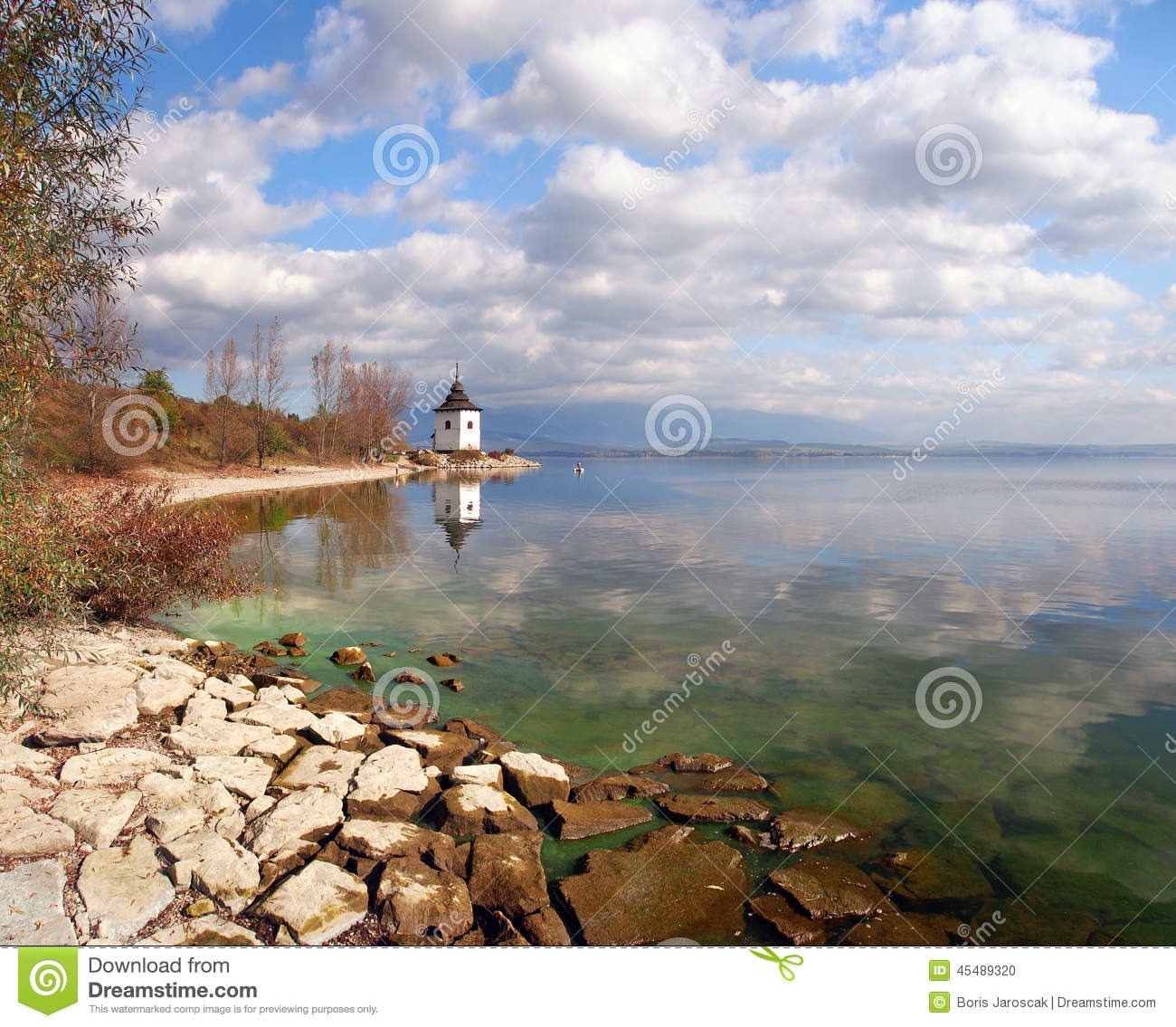 Autumn shore of the Liptovska Mara lake, Slovakia