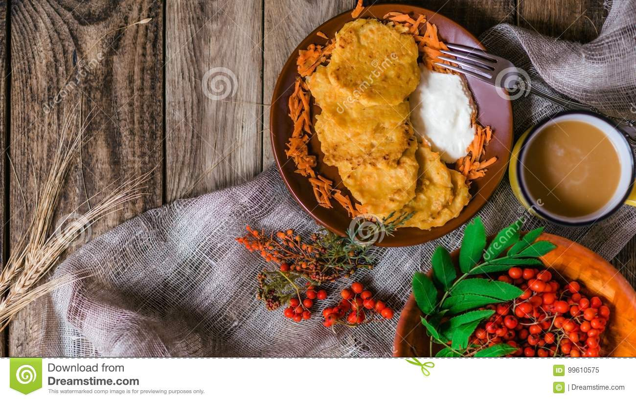 Autumn vegetable fritters with carrots