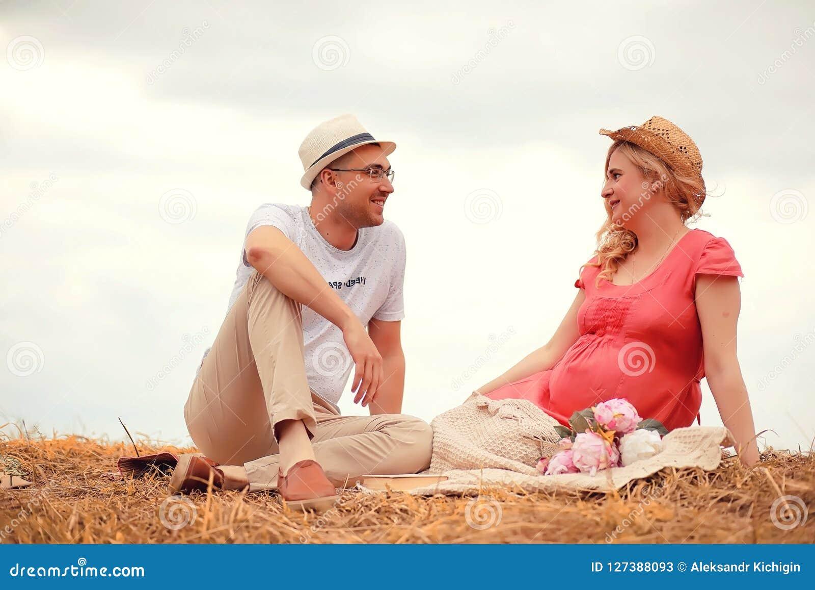 pregnant girl dating