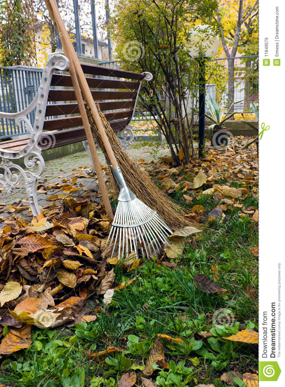 Autumnal Garden Work Royalty Free Stock Images Image