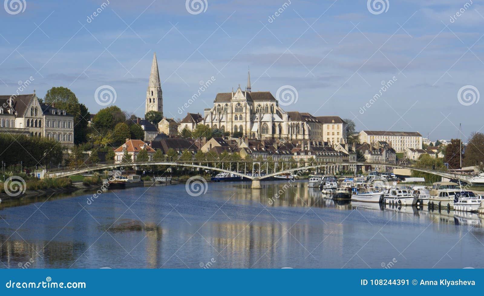 Auxerre Burgunder Frankreich
