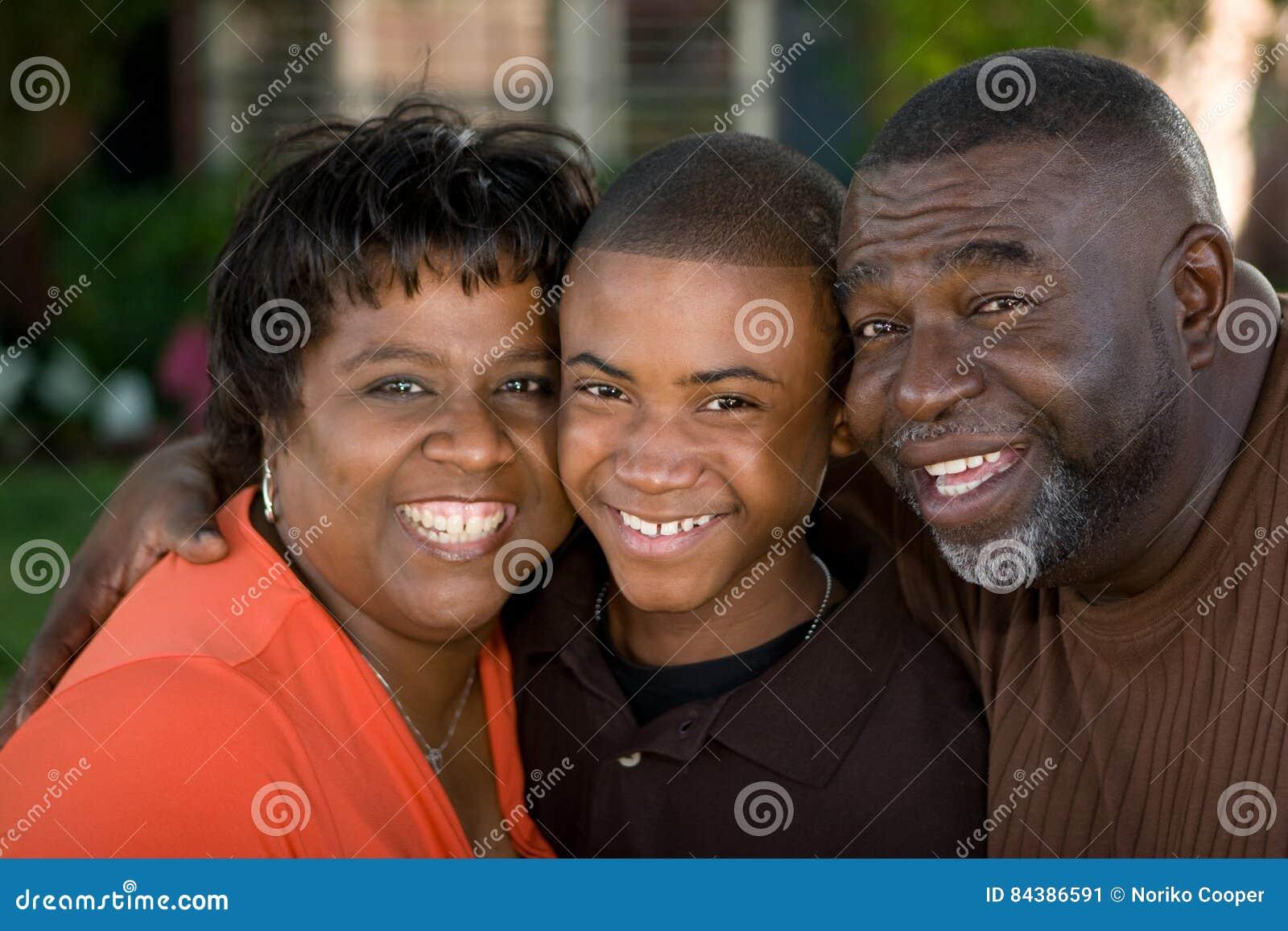 Avós afro-americanos e seu neto