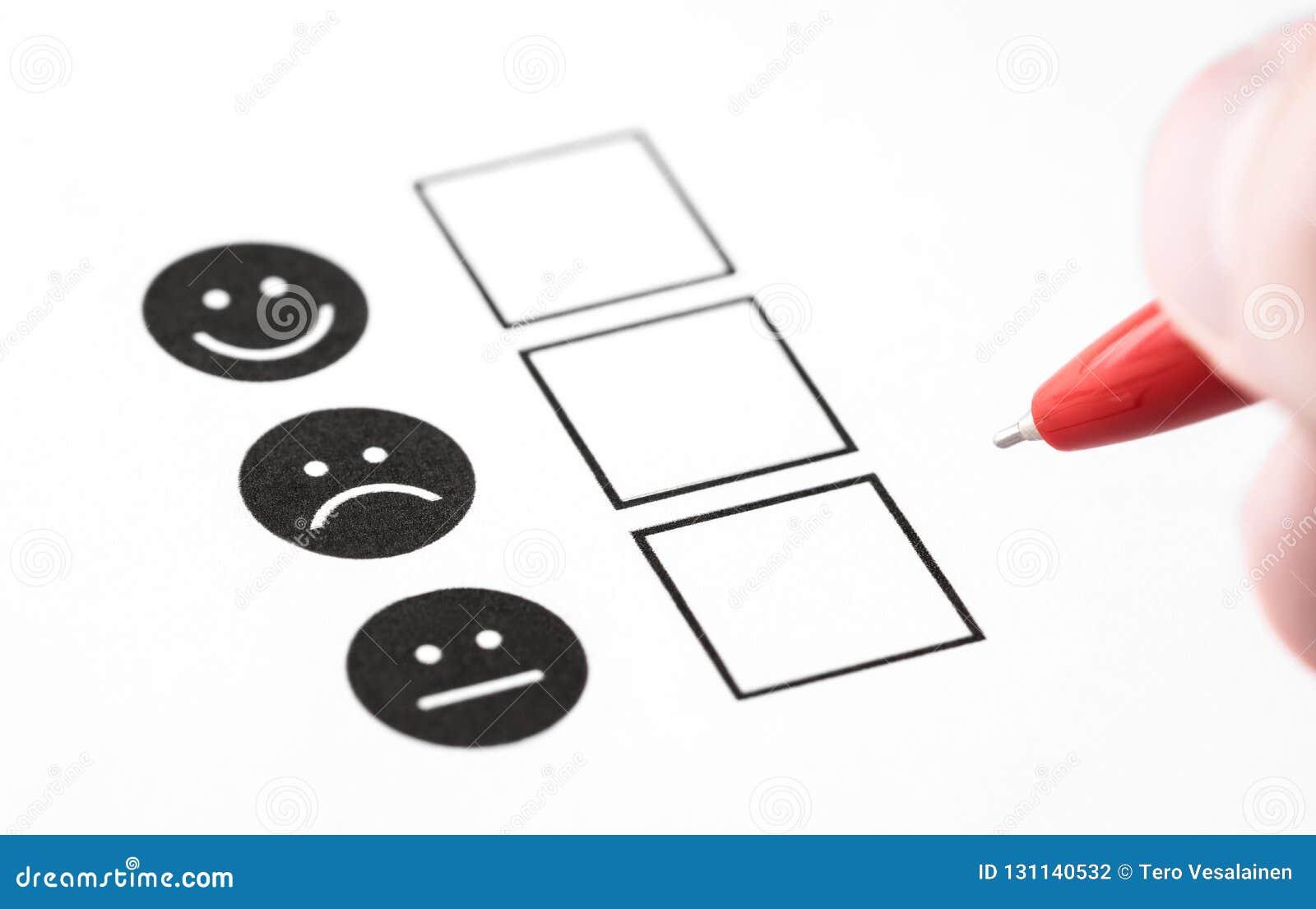 Avaliação da experiência do cliente, questionário do feedback do empregado ou conceito da votação do negócio