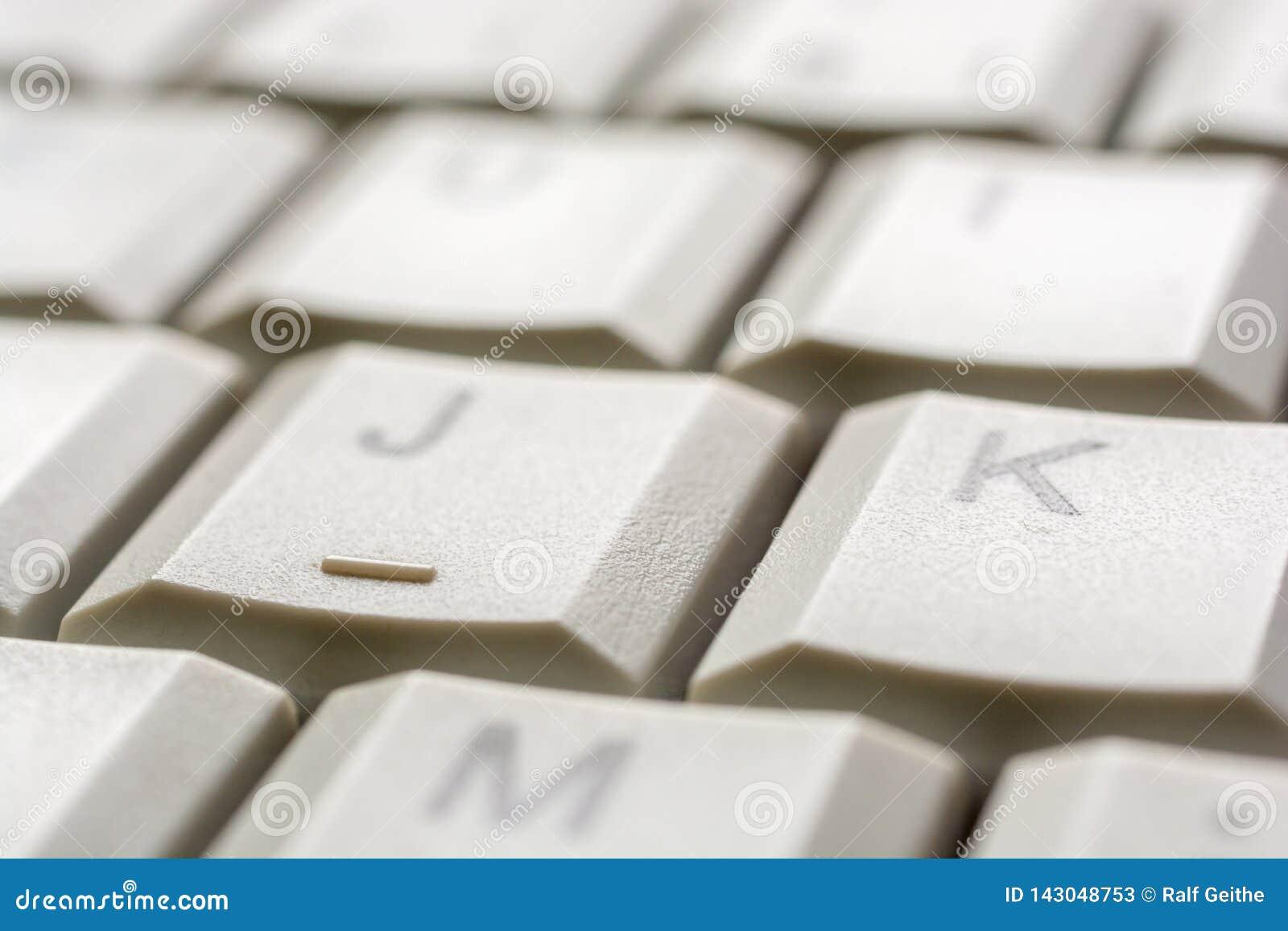 Avaliação na chave de um teclado de computador como a ajuda da entrada