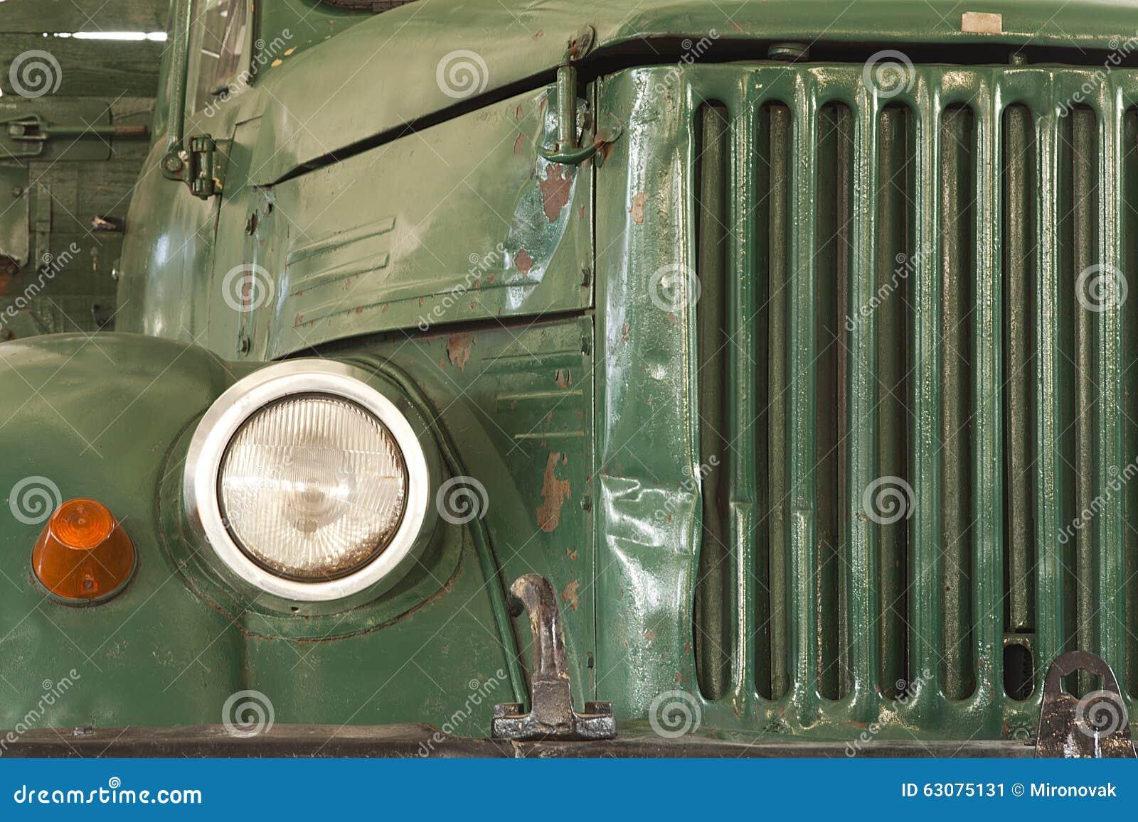 Download Avant de vieux camion image stock. Image du fond, camion - 63075131