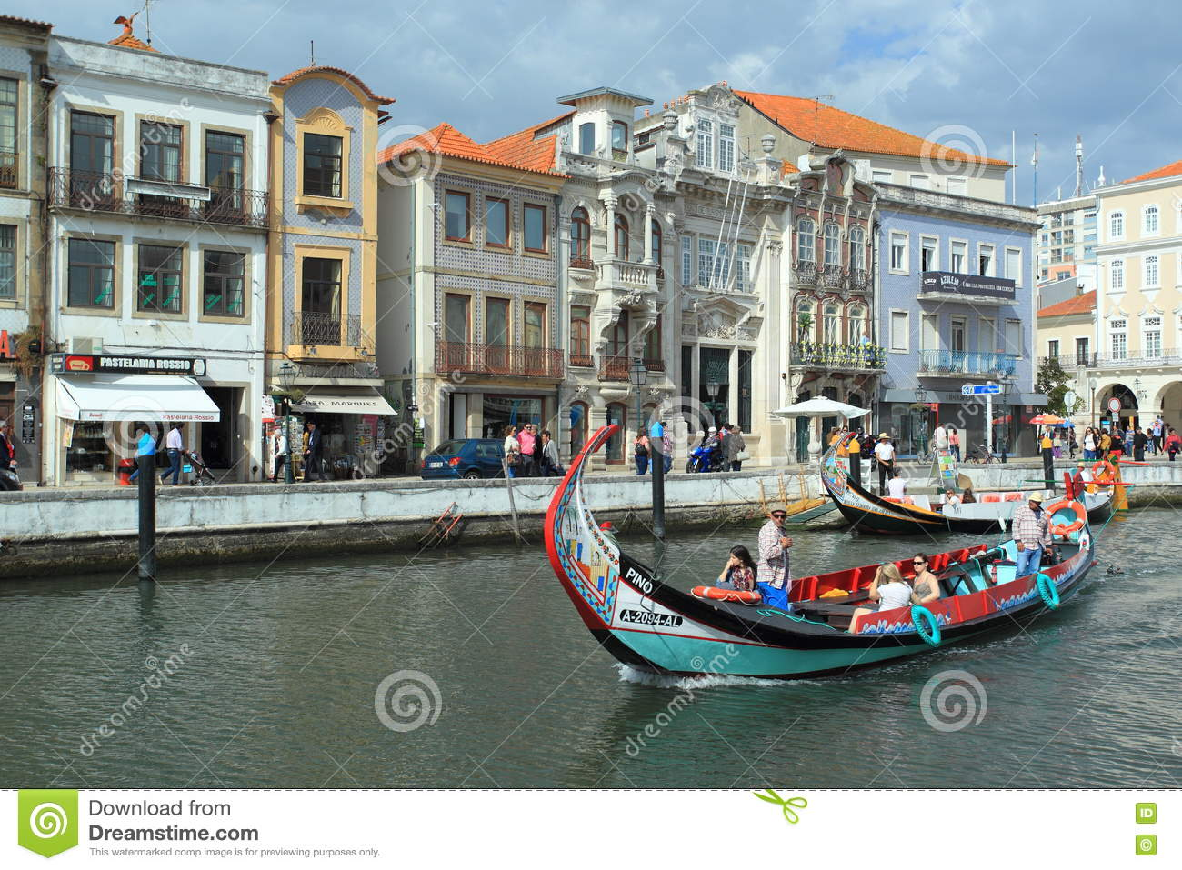 Download Aveiro canal editorial image. Image of embankment, water - 69615035