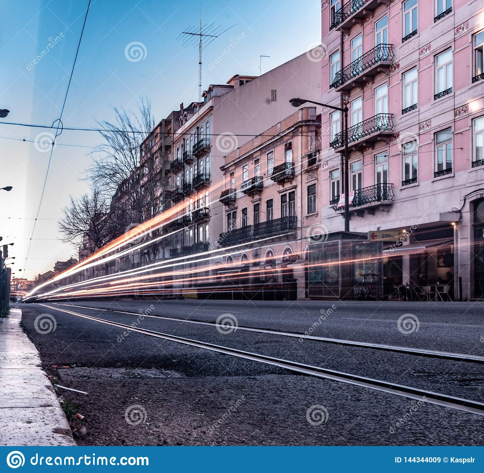Avenida Almirante Reis, фото долгой выдержки Лиссабона