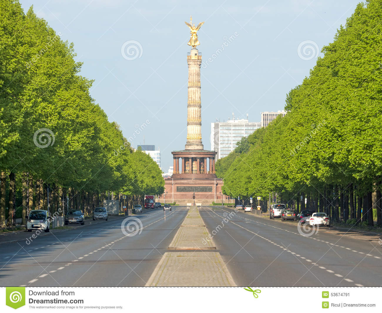 Avenue June 17 with Victory Column in Berlin