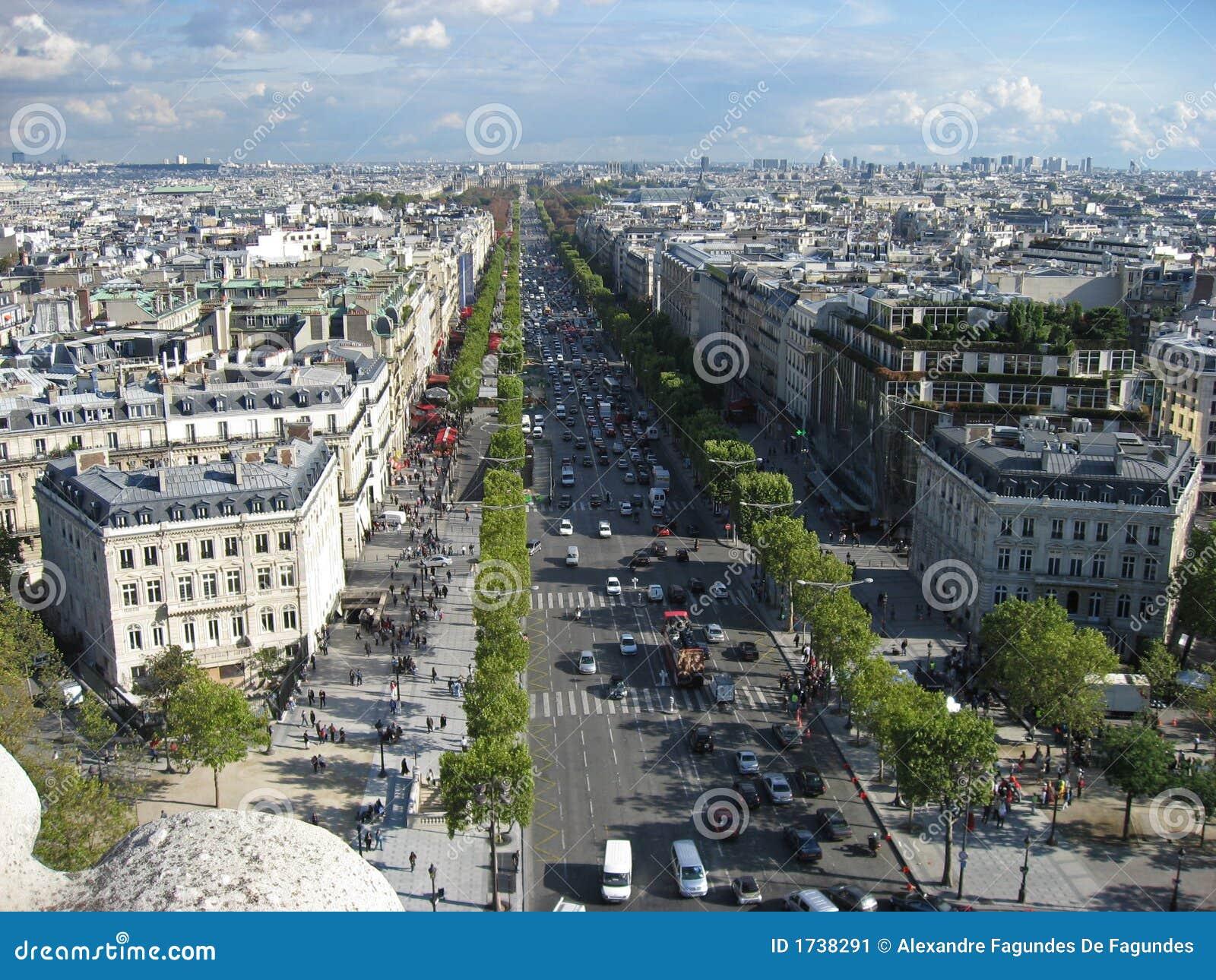 Avenue victor hugo paris image stock image 1738291 - Le notre avenue victor hugo ...