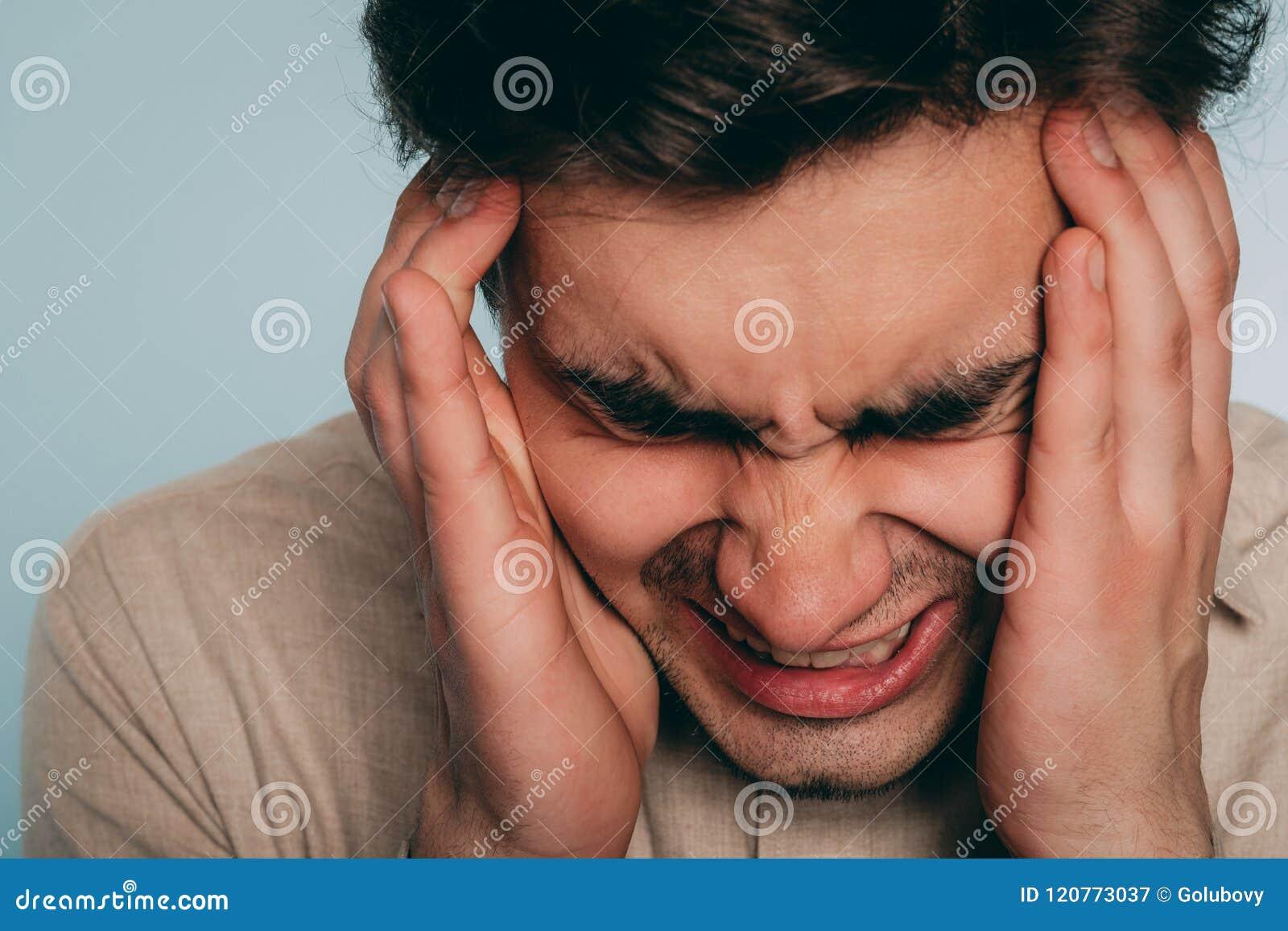 Avería emocional del hombre de la furia de la cólera de la tensión del dolor de cabeza