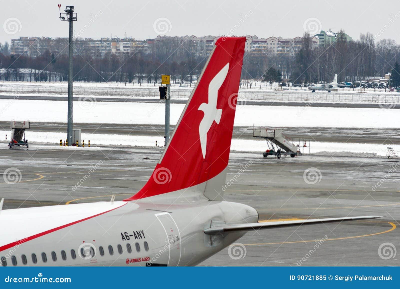 Aeroporto Kiev : Avião de air arabia no aeroporto de boryspil kiev ucr nia imagem