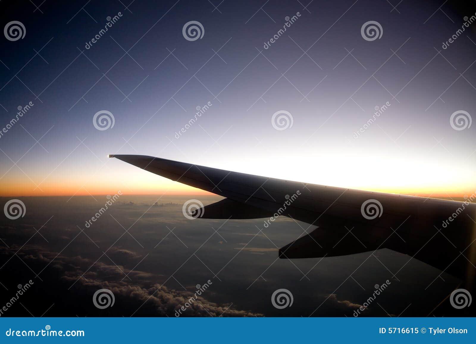 Avião do por do sol