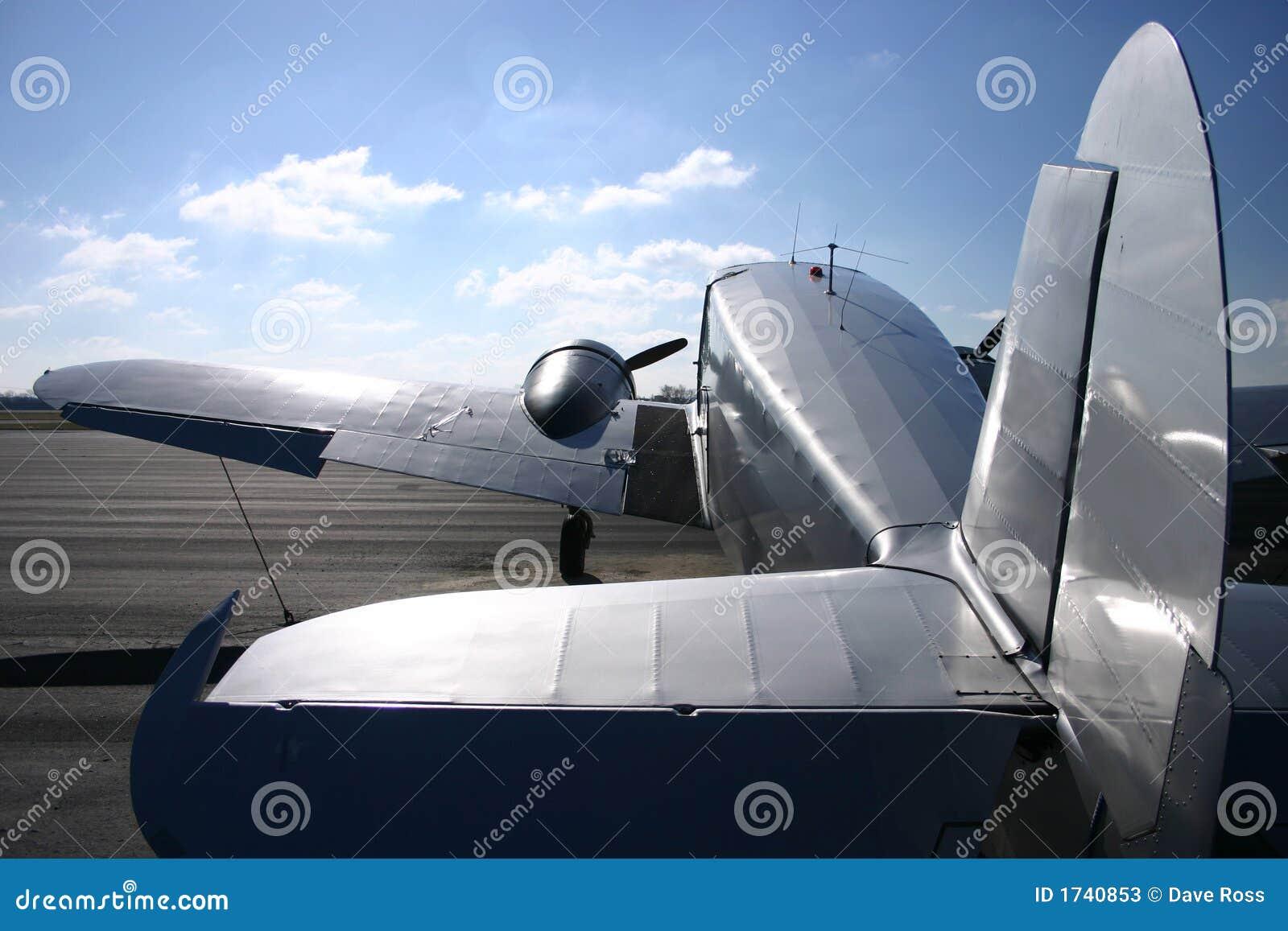 Avião gêmeo do motor do vintage