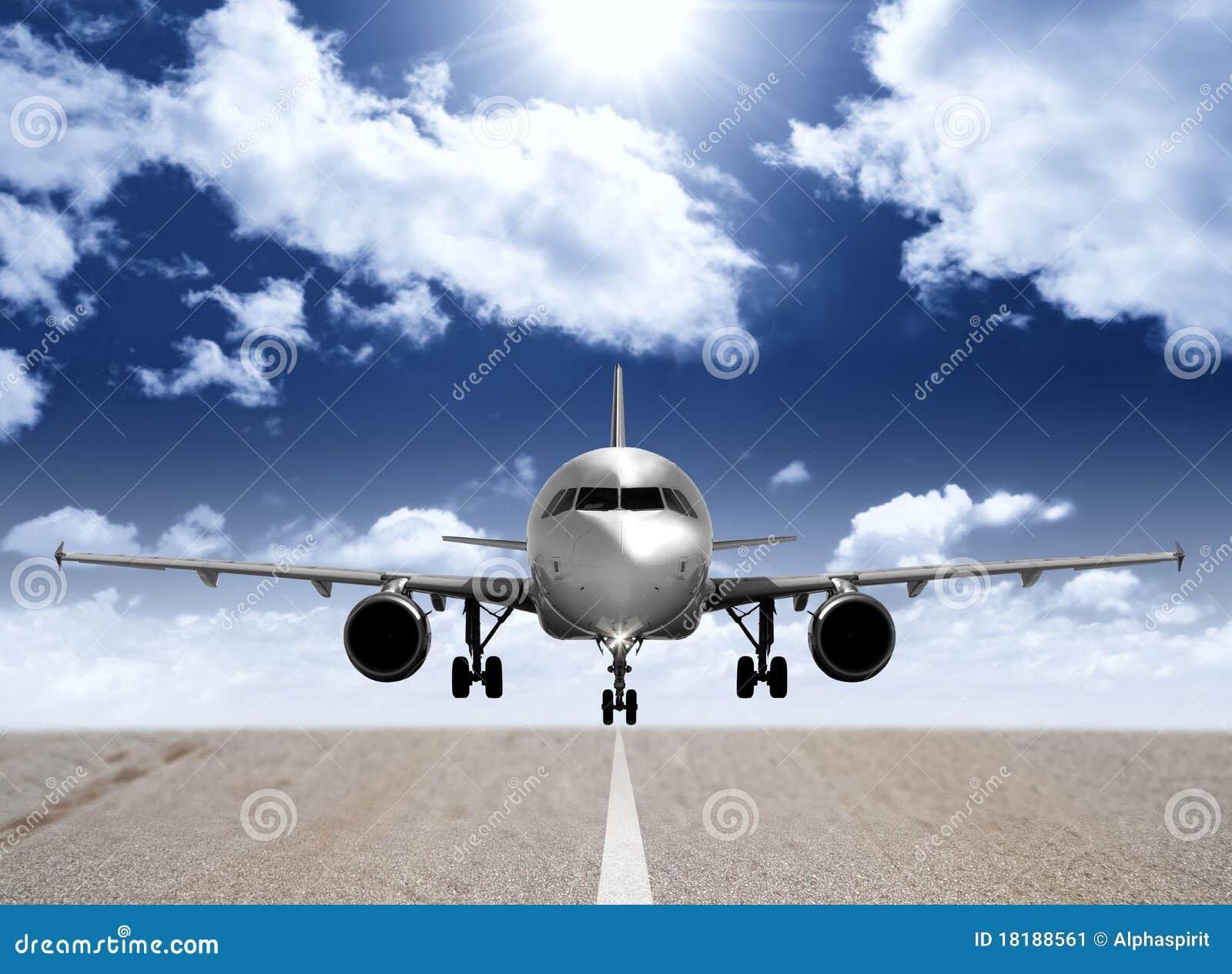 Avião na pista de decolagem