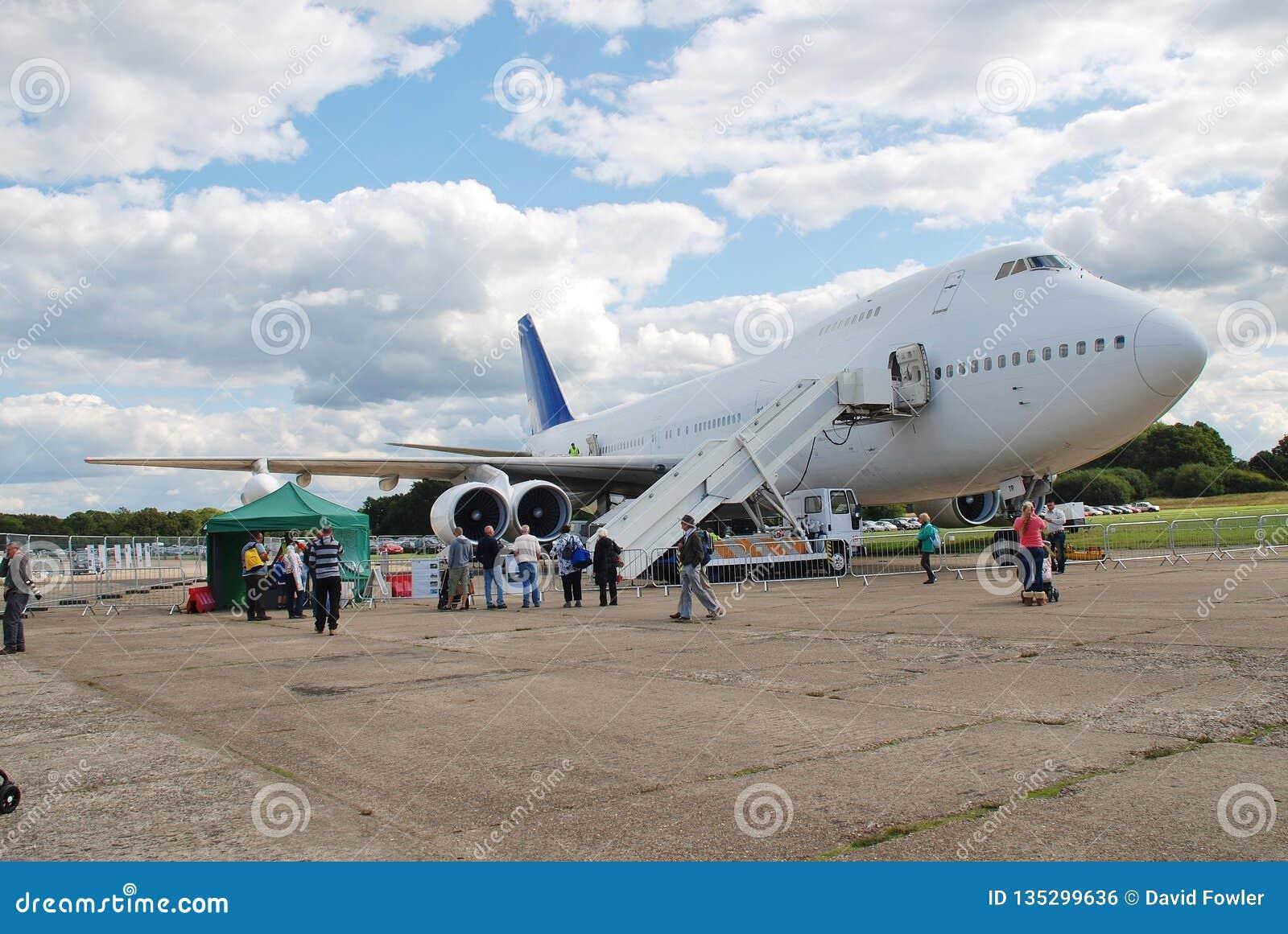Avión de pasajeros de Boeing 747, Dunsfold