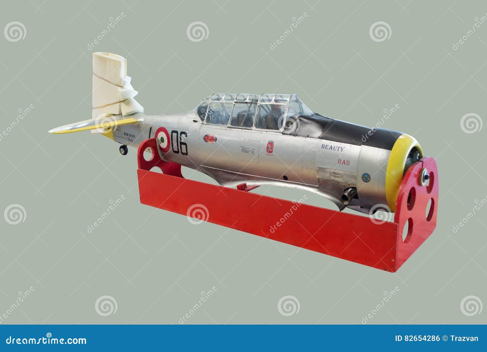 Aviões de modelo à escala norte-americanos do Texan de T6G desmontados