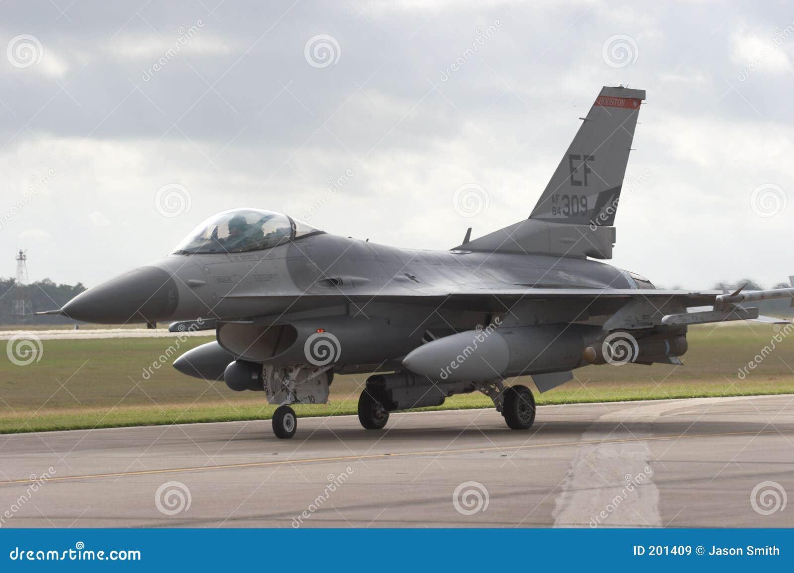 Avion à réaction F/16