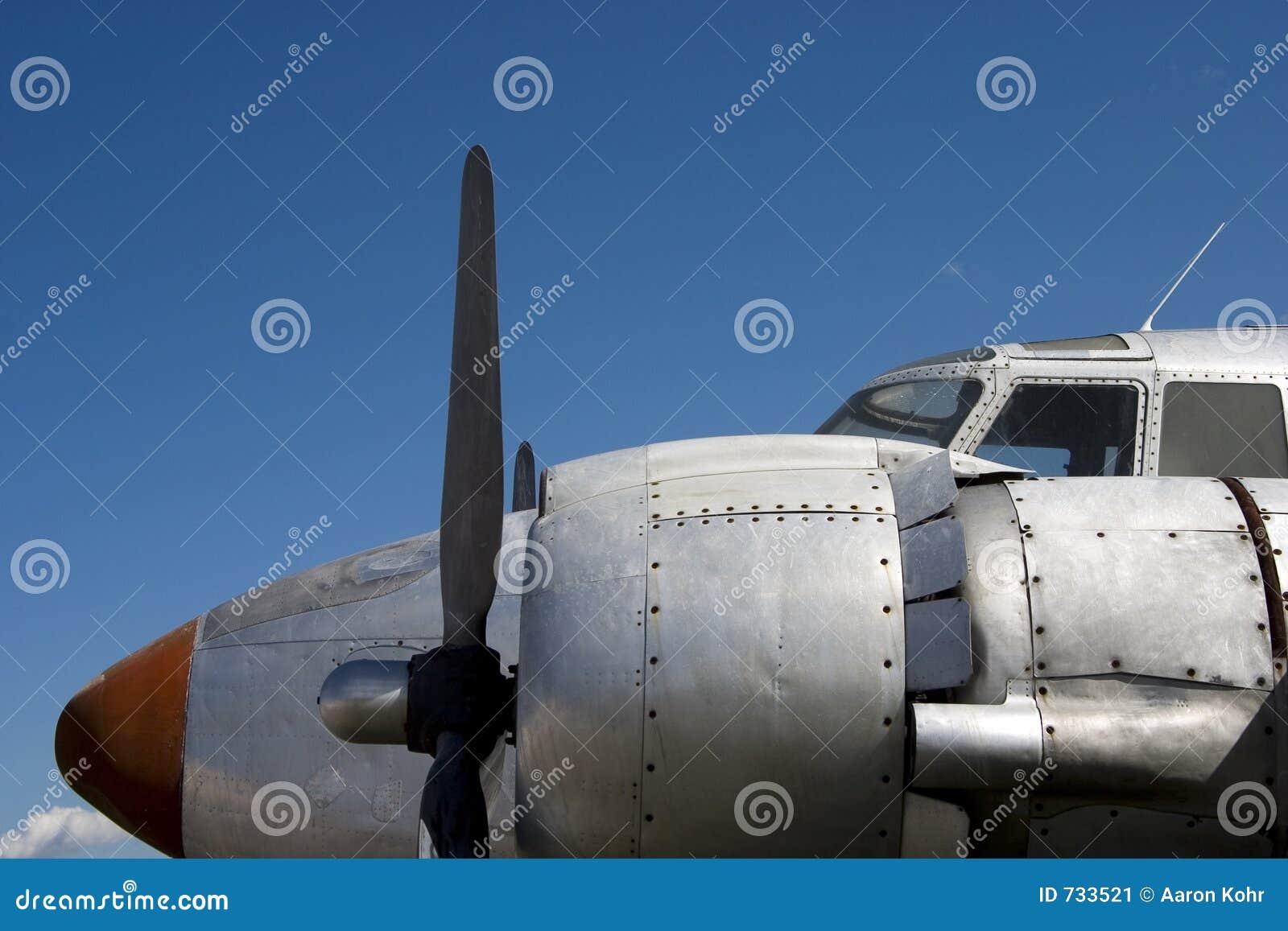 Avion 1 de support