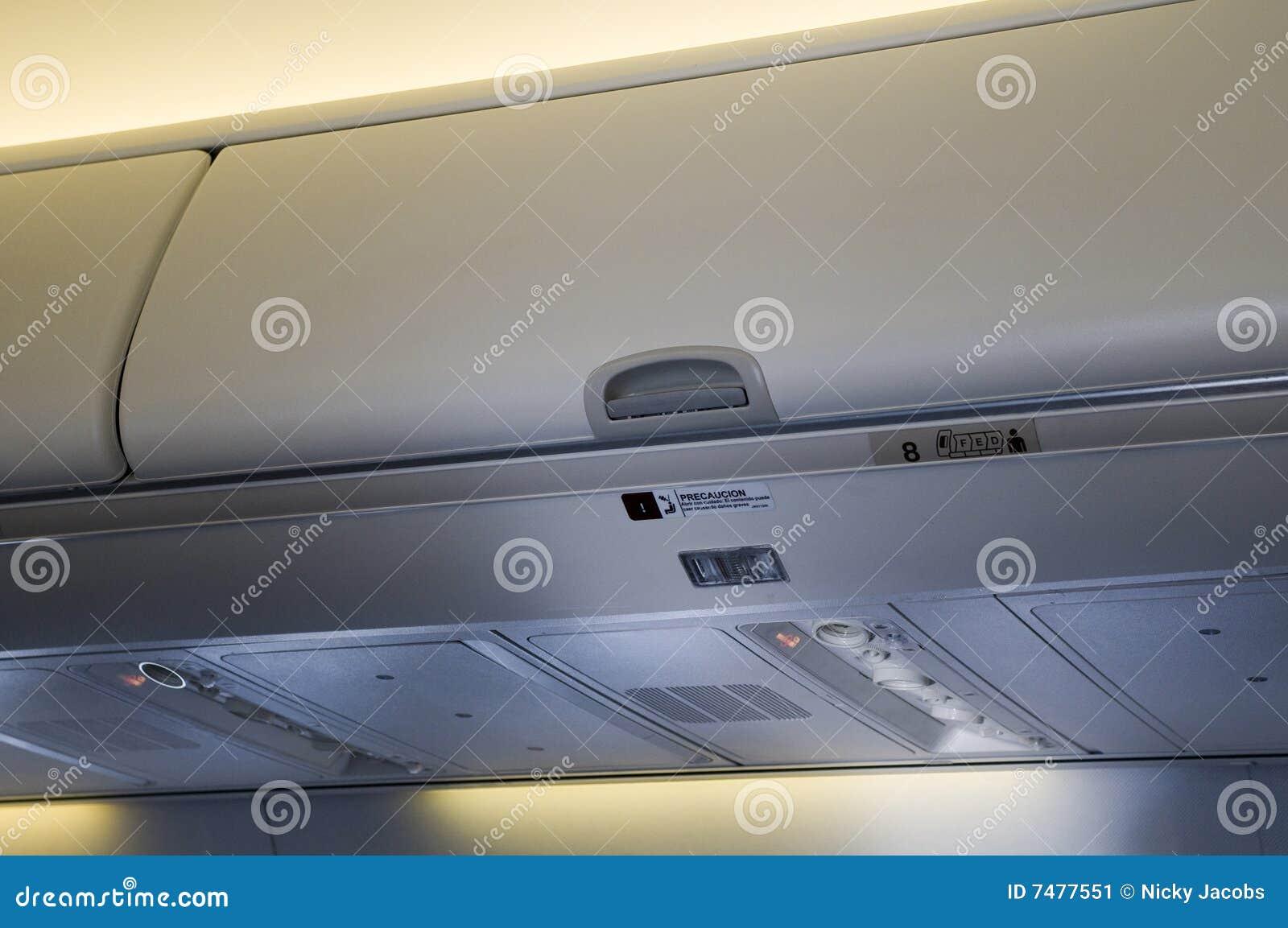 avion de cabine de bagage image stock image 7477551. Black Bedroom Furniture Sets. Home Design Ideas