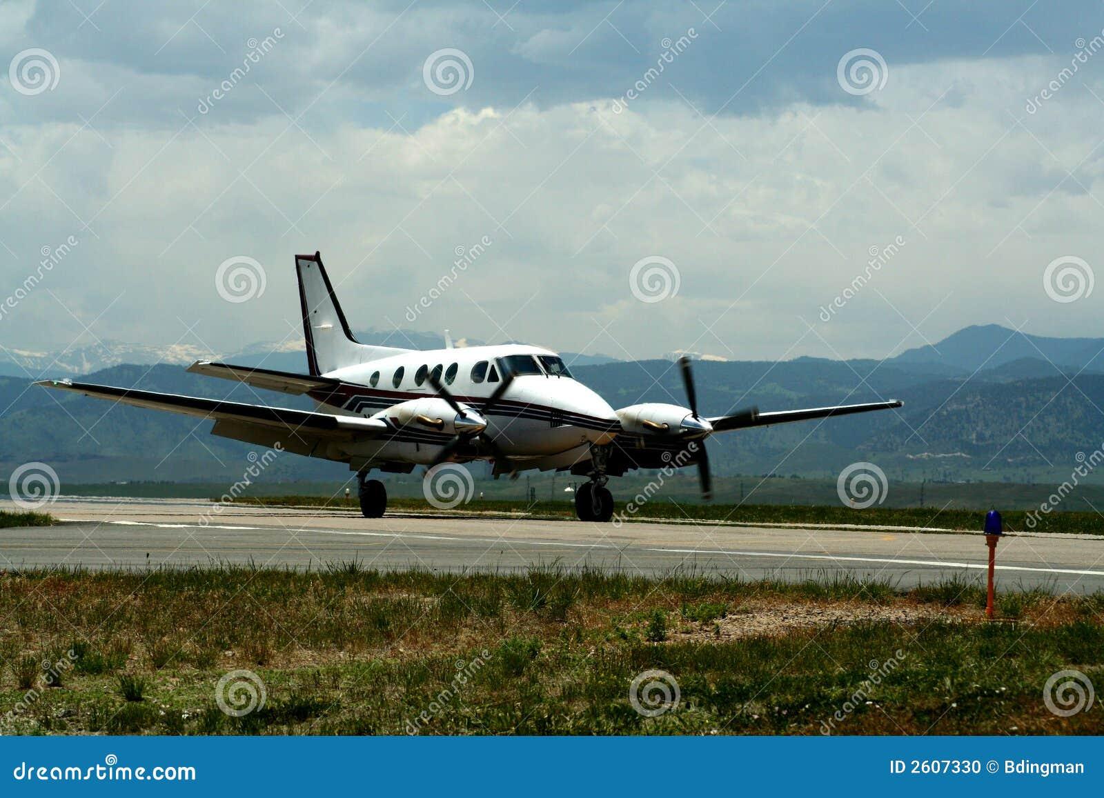 Avion de taille moyenne