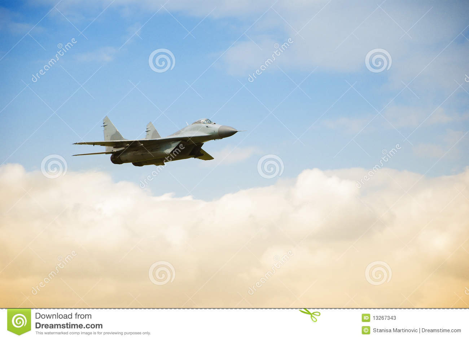 Avion militaire MIG