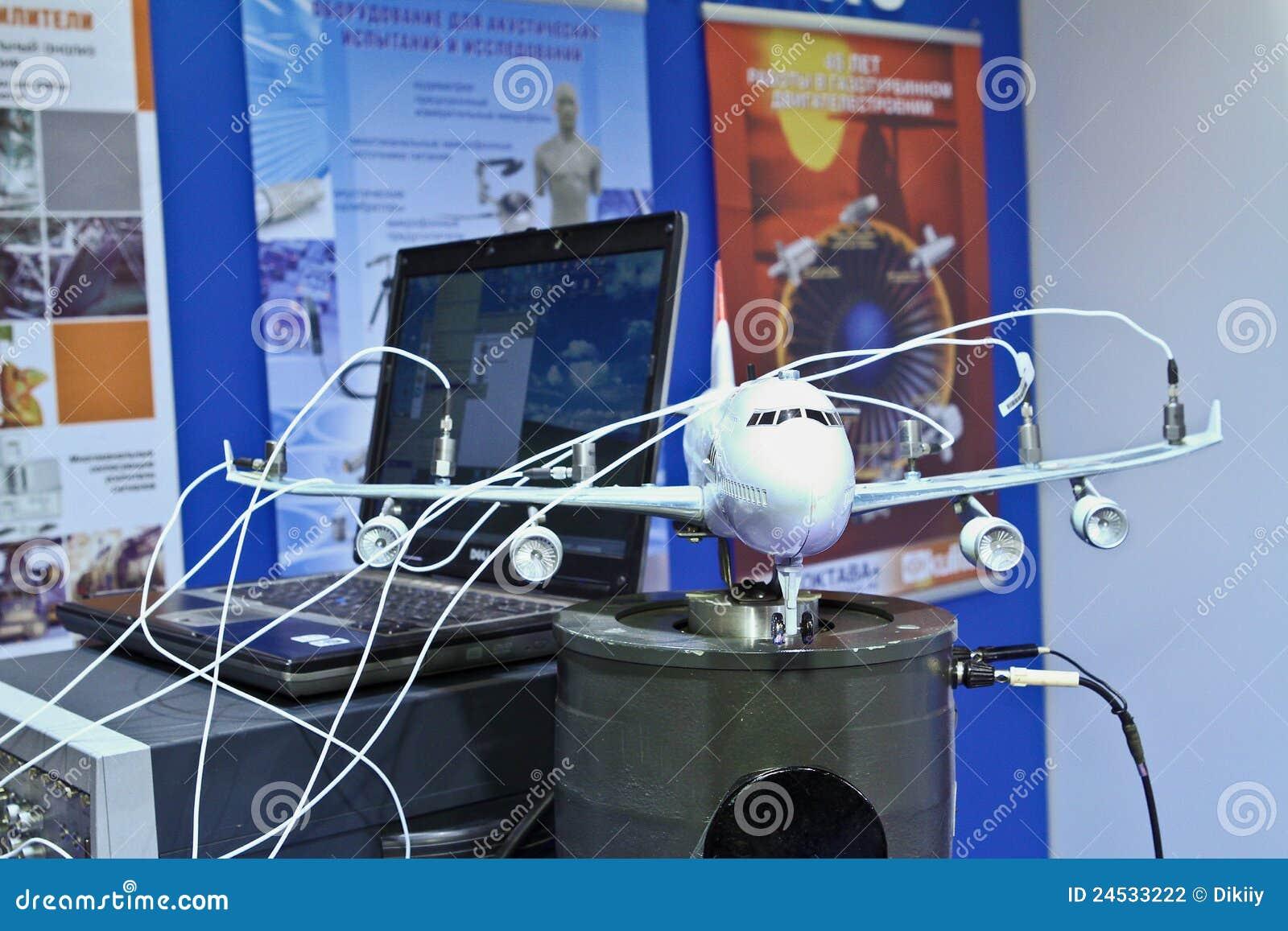 Avion Modèle De Banc Dessai Photographie éditorial Image Du Test