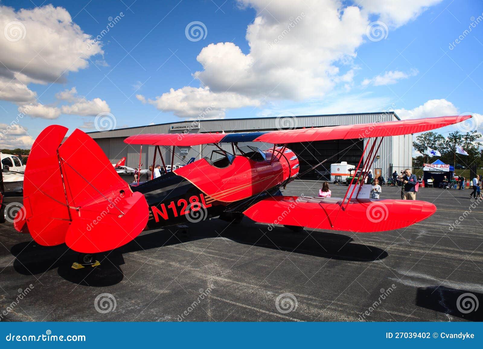 Avion sur le macadam