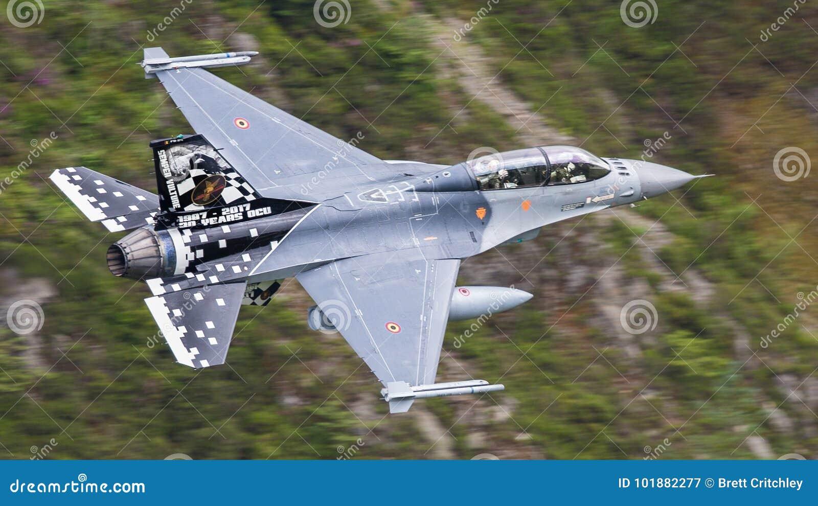Aviones De Avión De Combate F-16 Fotografía editorial - Imagen de ...