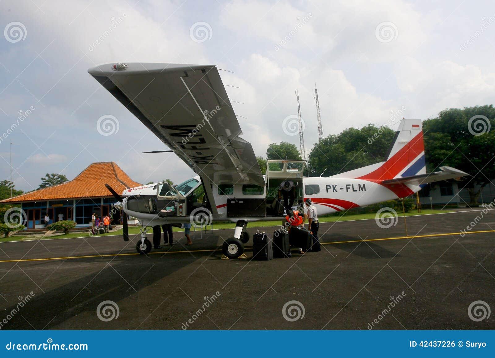Aviones de carta