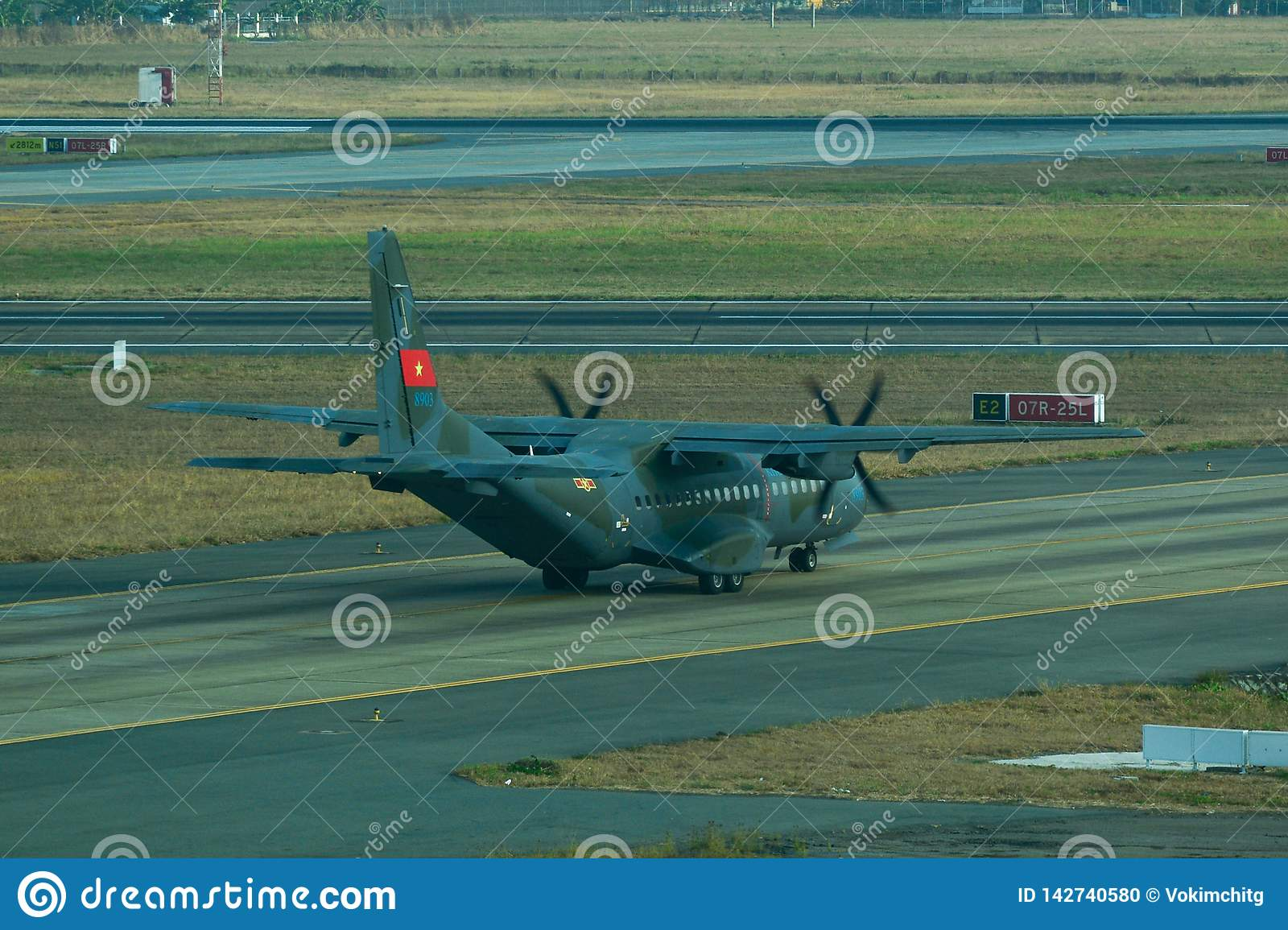 Avions militaires de cargaison de la MAISON C-295M