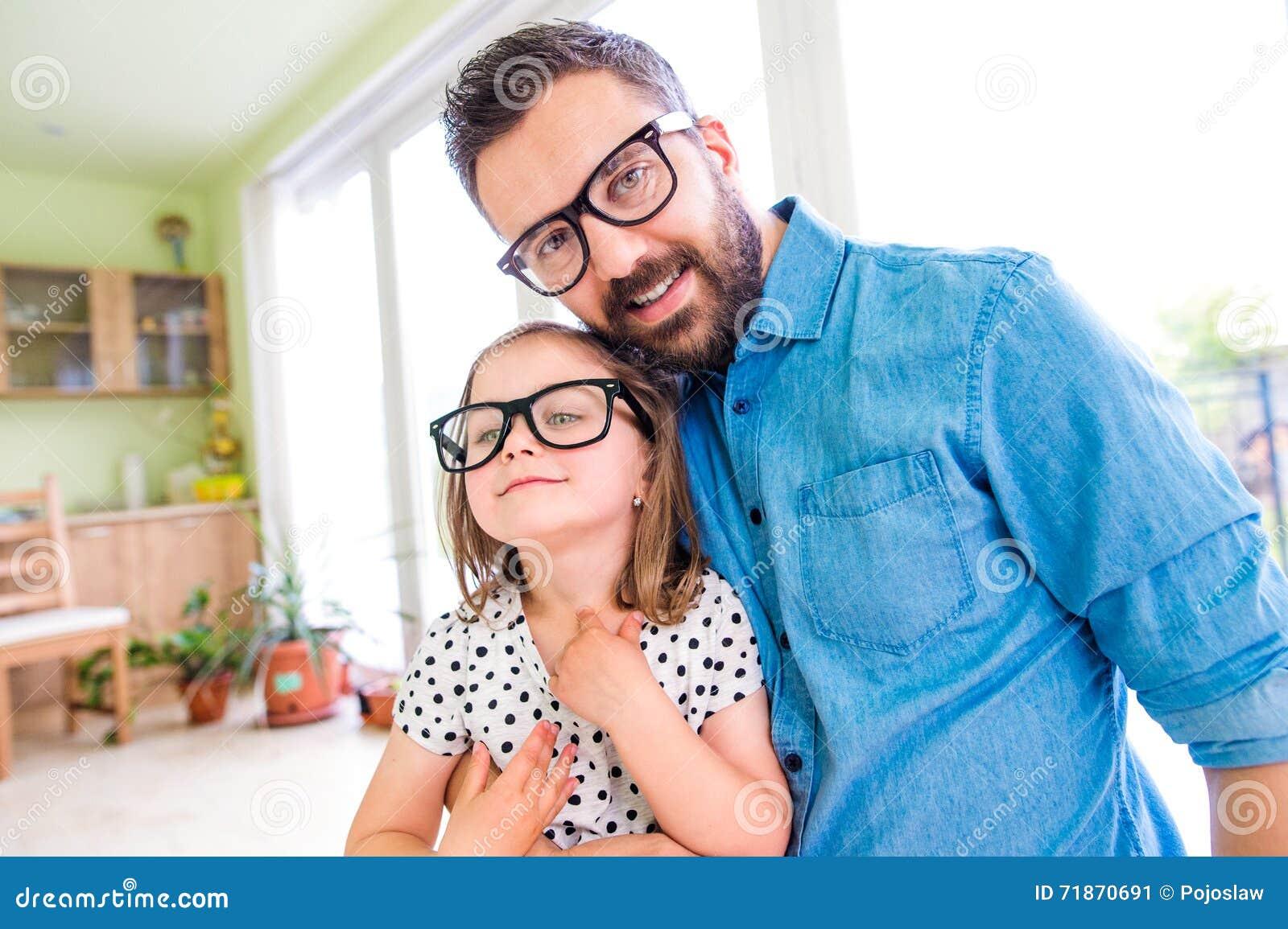 Föräldraskap tonårs dotter dating