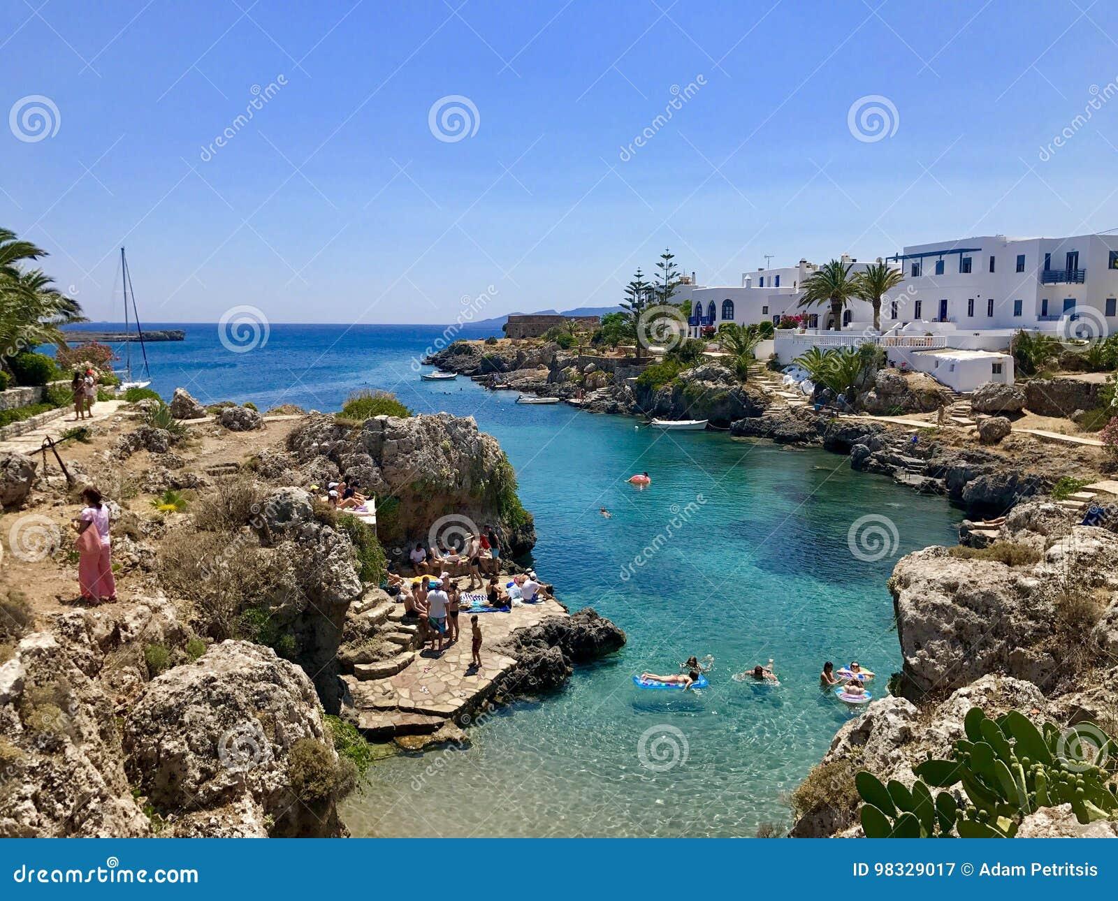 Avlemonas wioski plaża w Kythira wyspie, Grecja