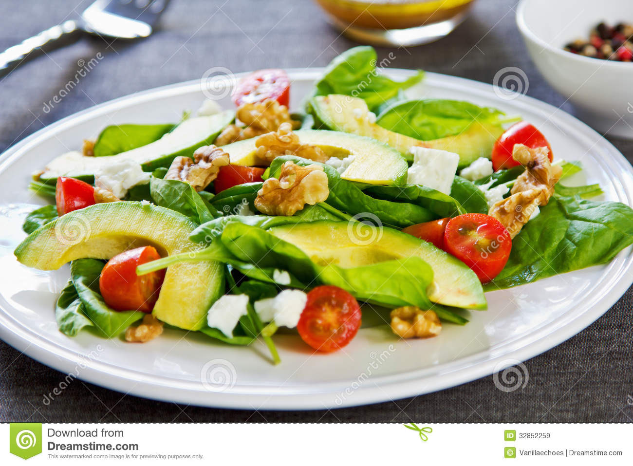 avocado with spinach and feta salad stock image image 32852259. Black Bedroom Furniture Sets. Home Design Ideas