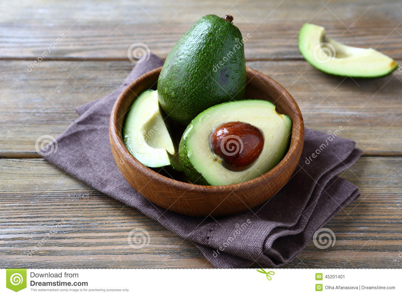 Avocado whole and halves