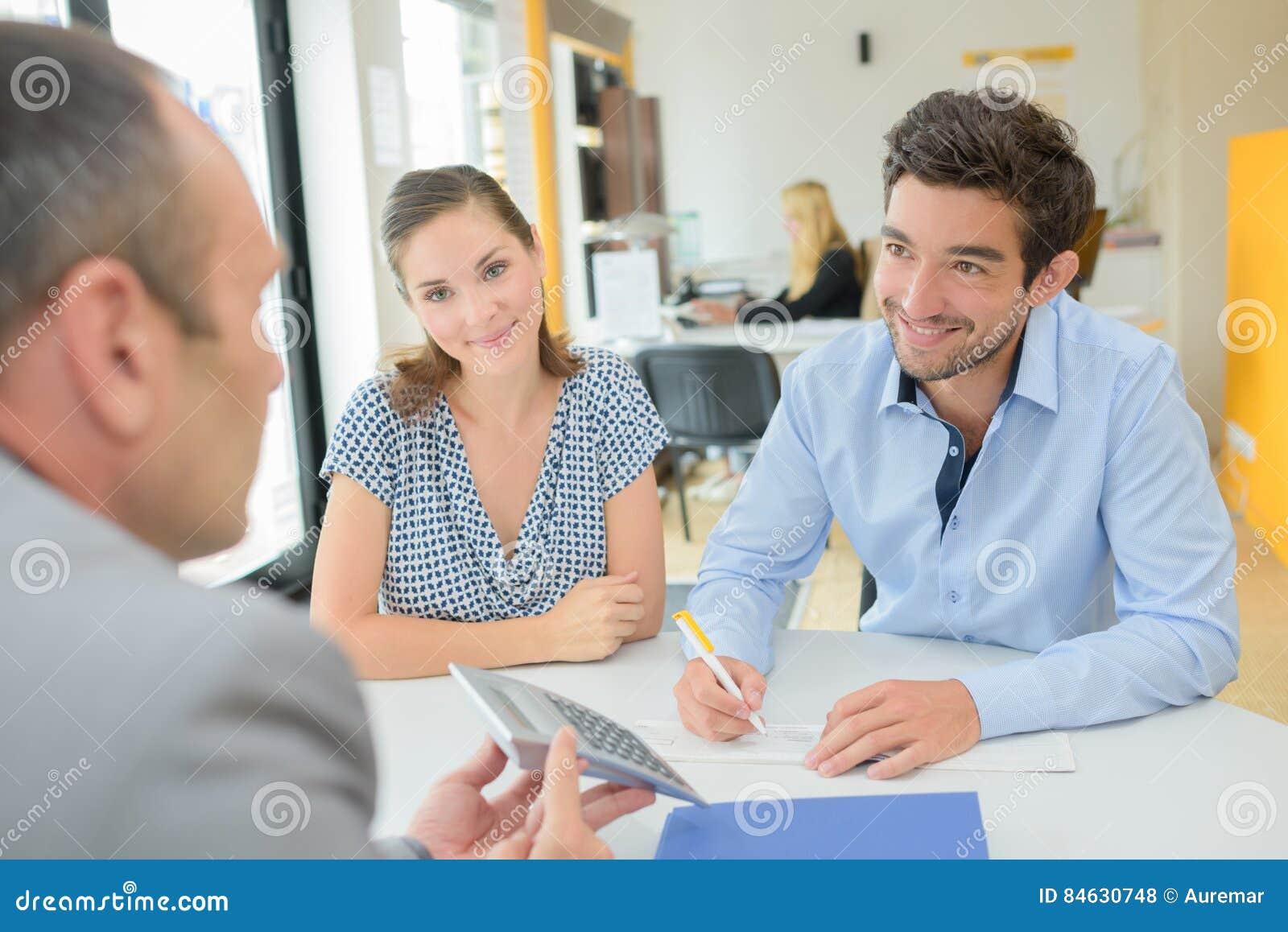 Avoir affaire avec l agent de prêts