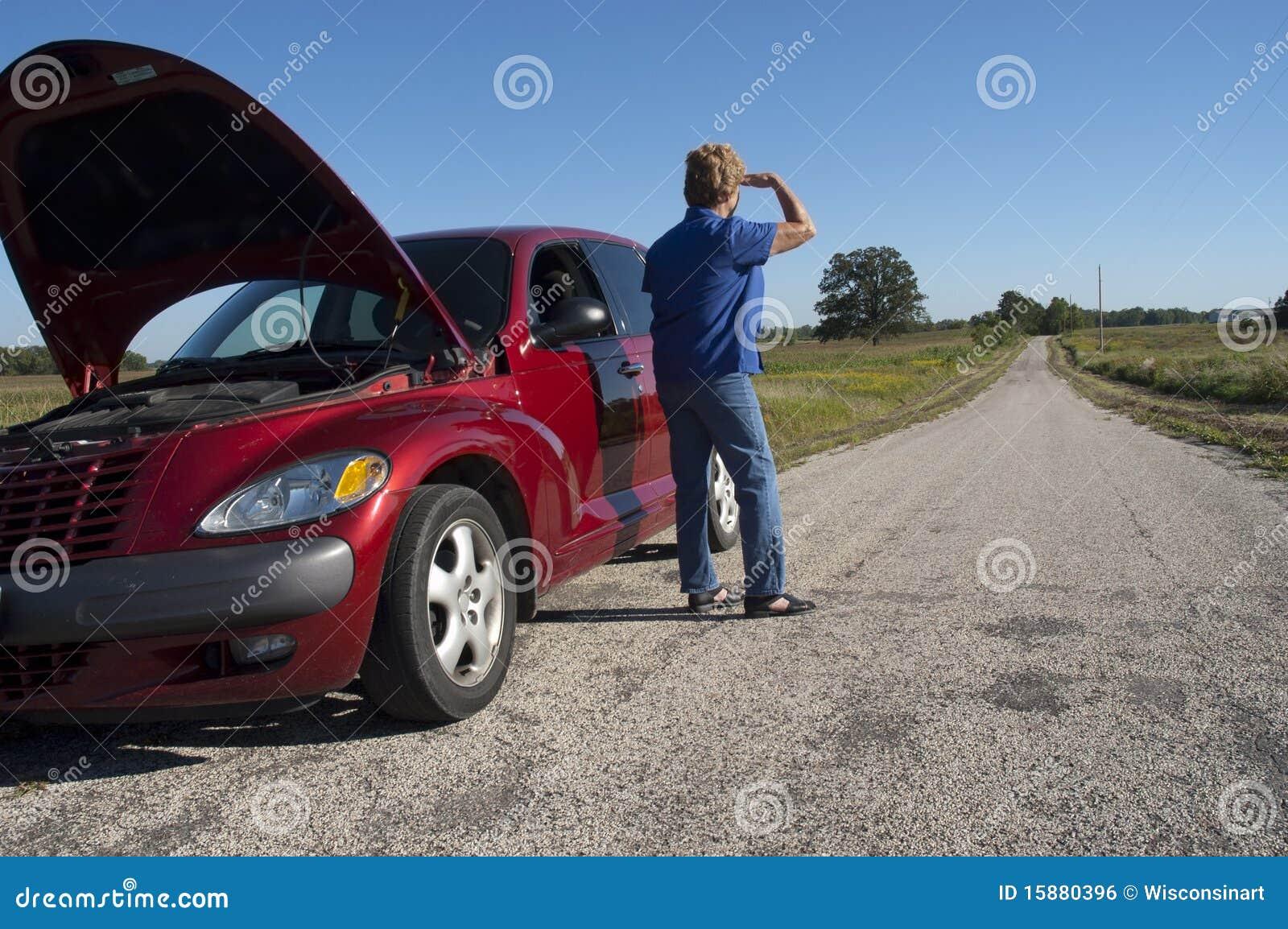 Awarii samochodu dojrzała drogowa starsza kłopotu kobieta