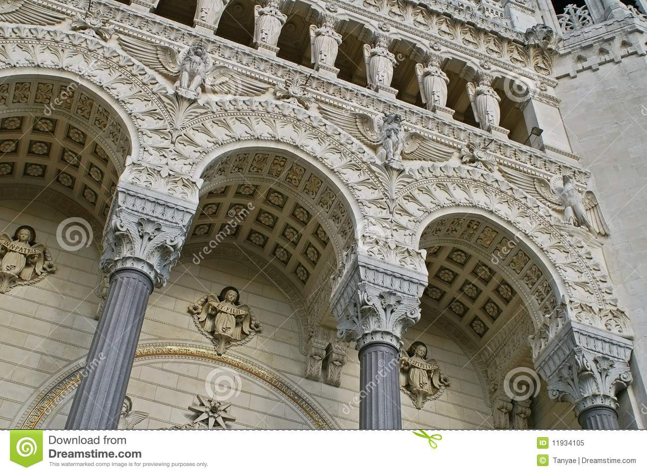 Awesome medieval architecture of lyon cathedral royalty for Z architecture lyon