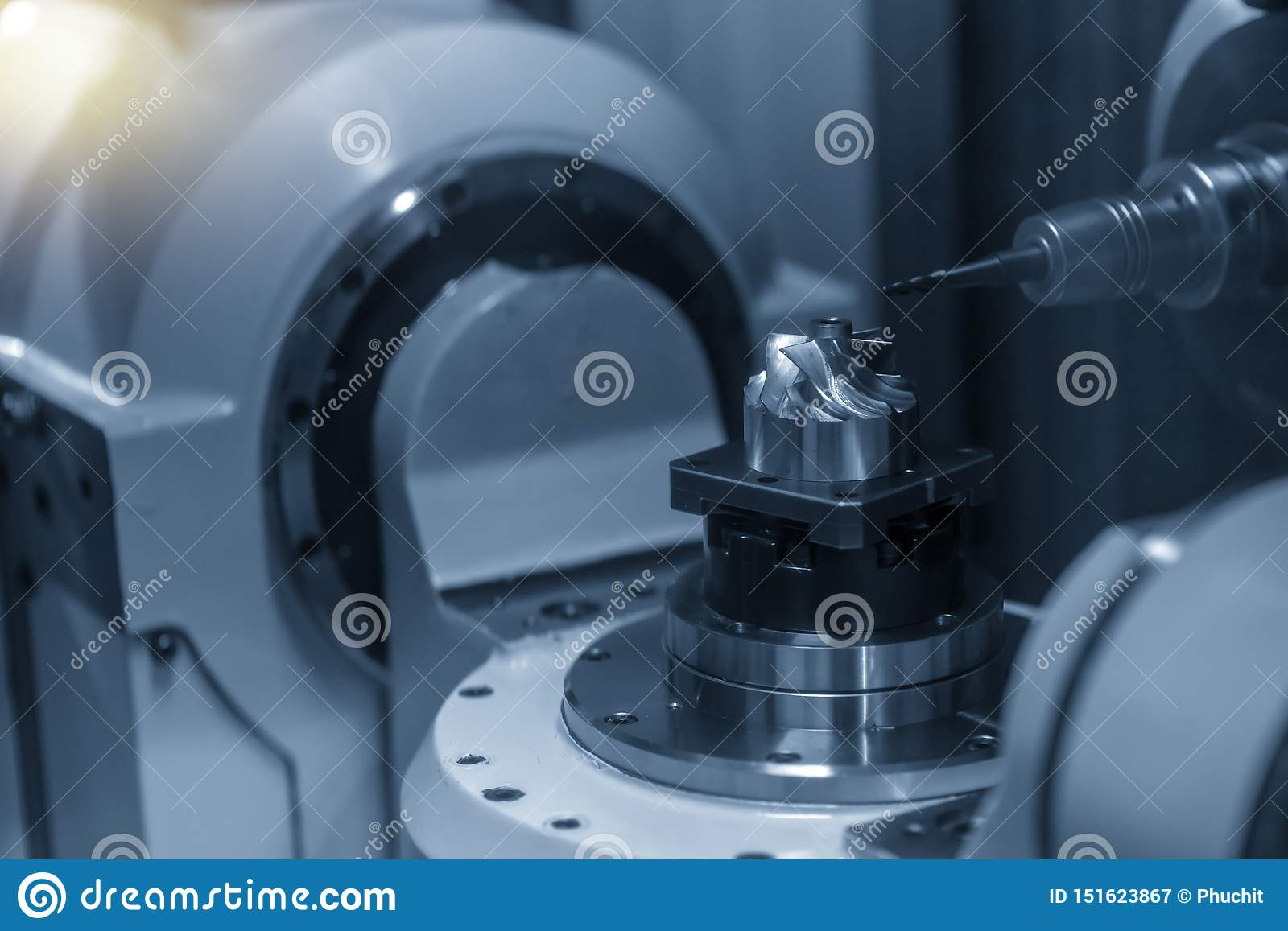 The 5 Axis CNC Milling Machine Cutting The Turbine Blade