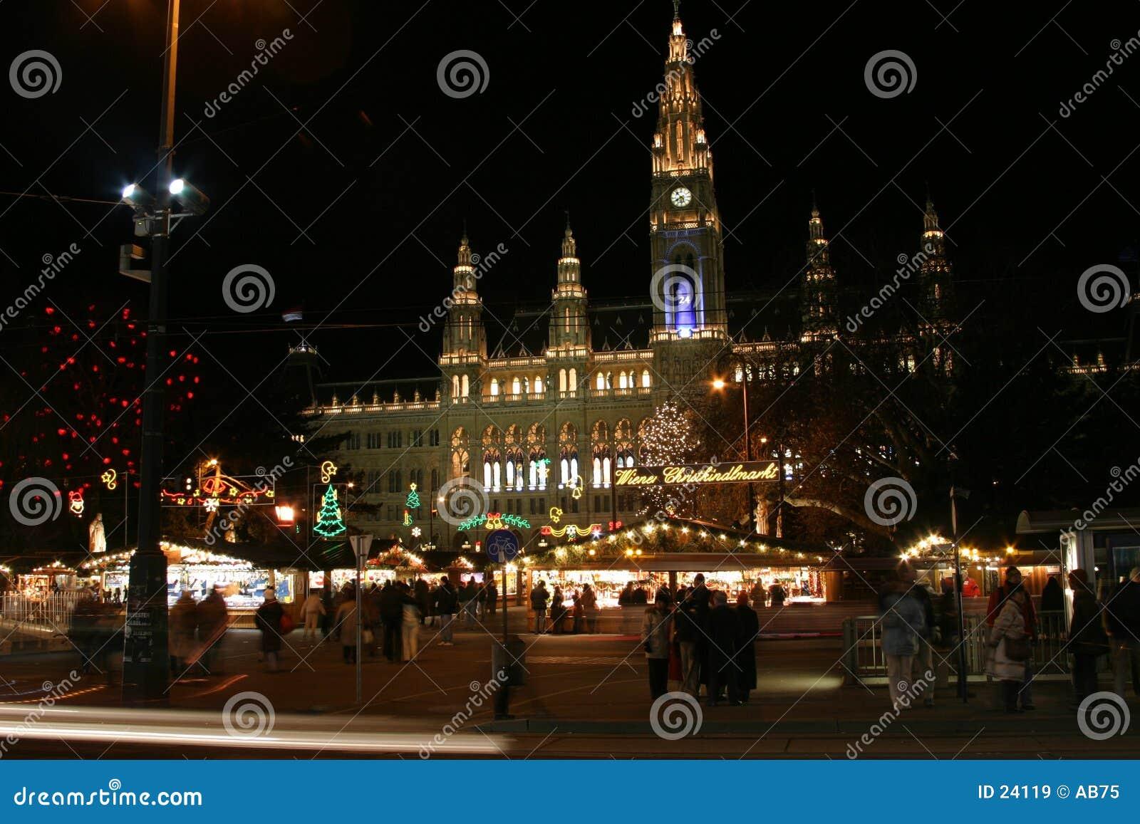 Ayuntamiento de Viena en la noche, tiempo de la Navidad