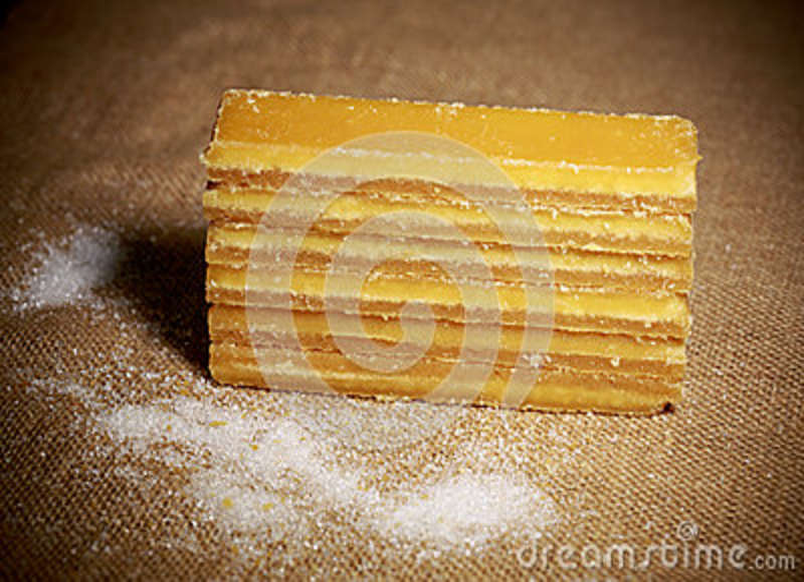 Azúcar de Brown dispuesto en fila