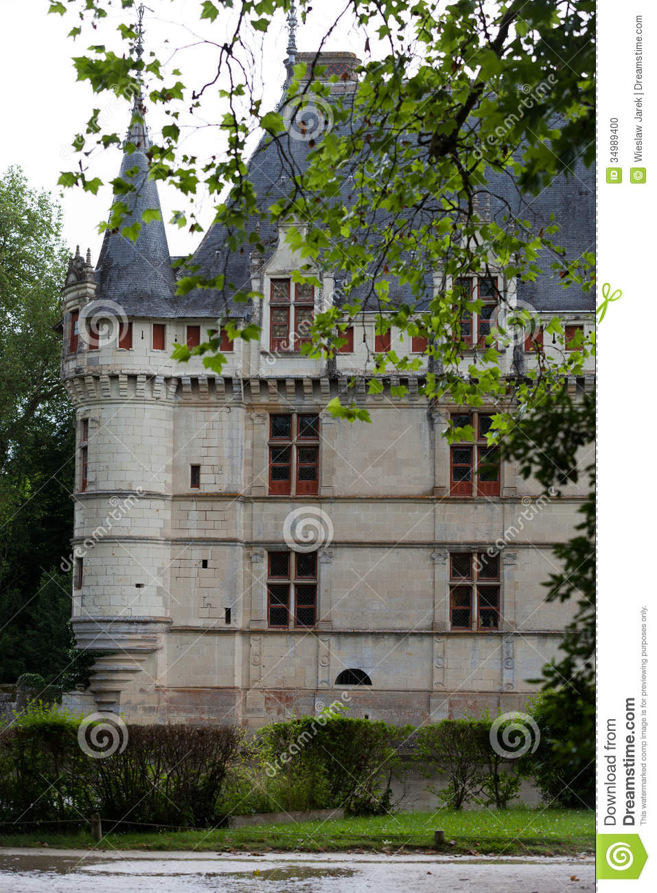 azay le rideau castle in the loire valley stock photo. Black Bedroom Furniture Sets. Home Design Ideas